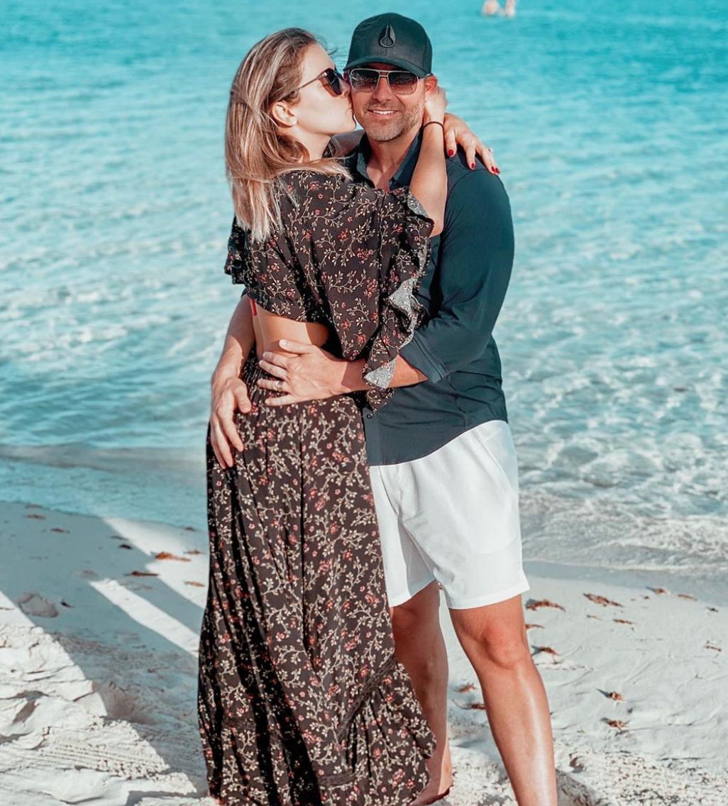Ximena Duque con su esposo