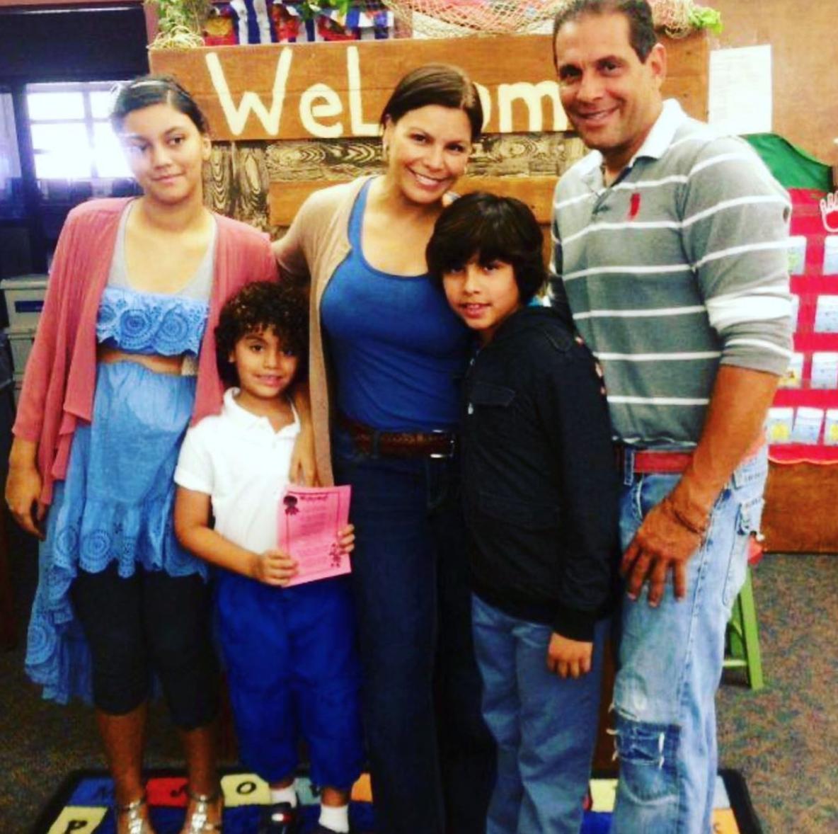 Olga Tañón con su familia