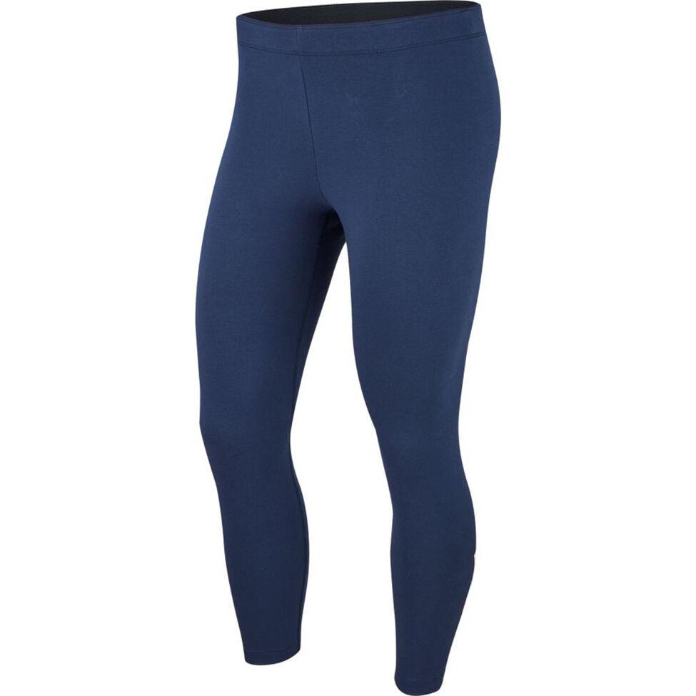 Con un tejido suave y elástico, estos leggings llegan justo por encima del tobillo para una apariencia aún más casual. Sportswear Womens 7/8 Leggin, de Nike. $35.00. modells.com