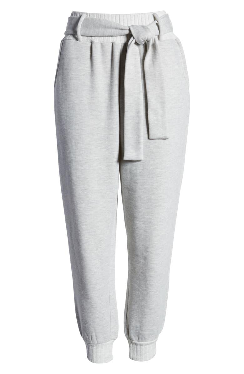 Luce cómoda y a la moda con estos joggers de talle alto con cinturón. Ribbed Trim Tie Waist Pants, de Nordstrom. $29.40. nordstrom.com