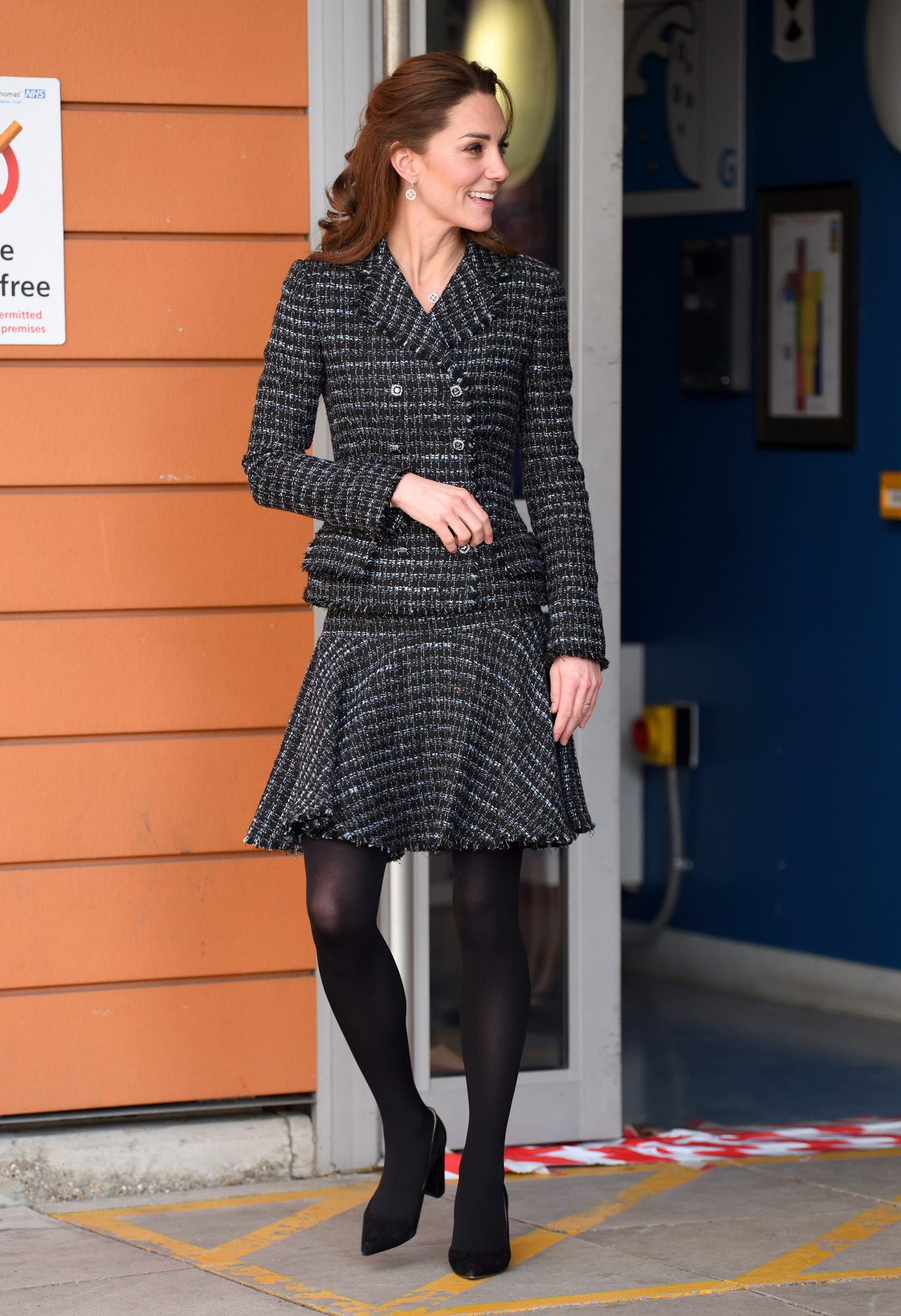Kate Middleton, looks, mejores looks, conjunto gris de tweet, dolce & gabbana