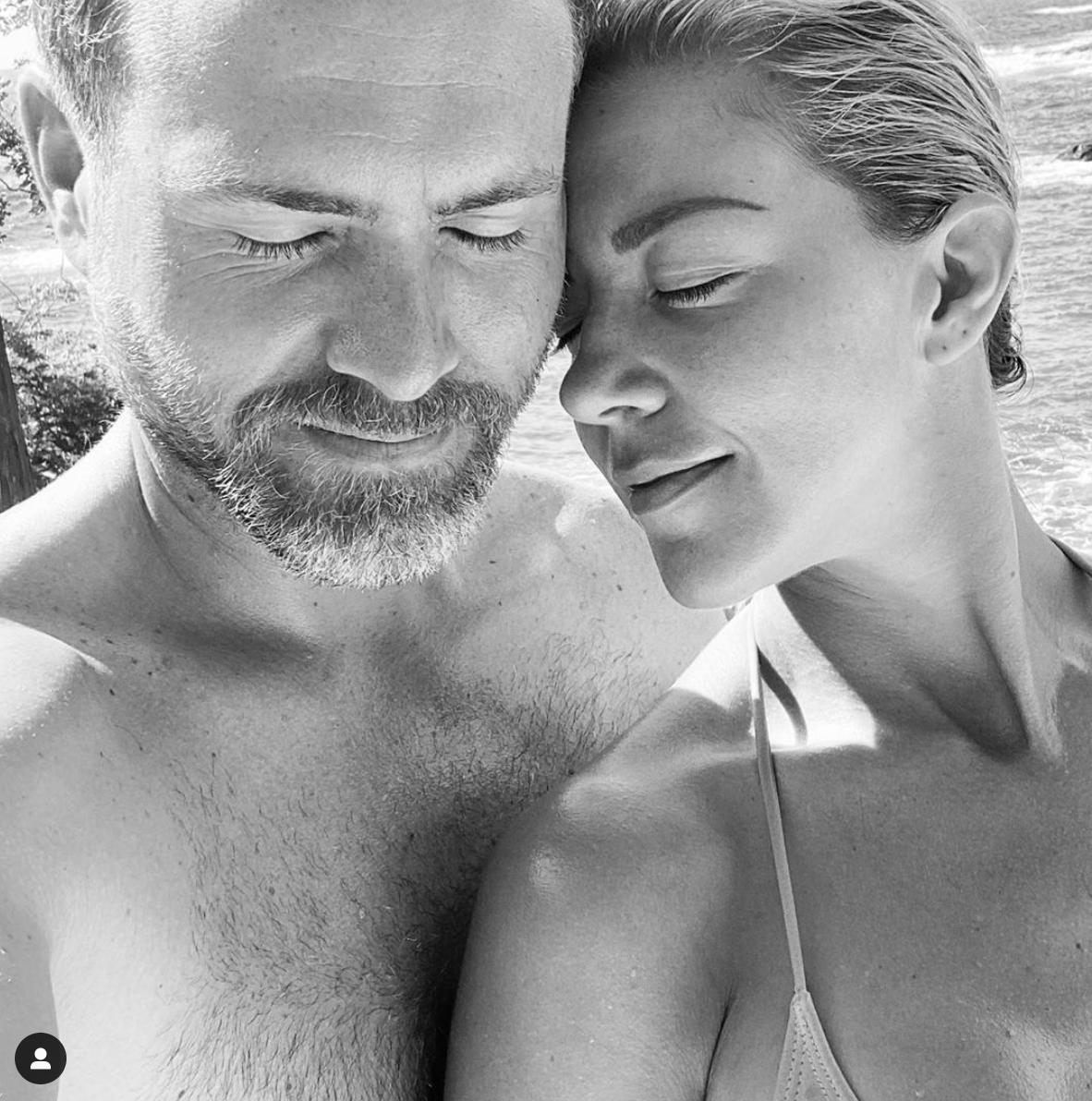 Erik Hayser desea feliz cumpleaños a novia Fernanda Castillo