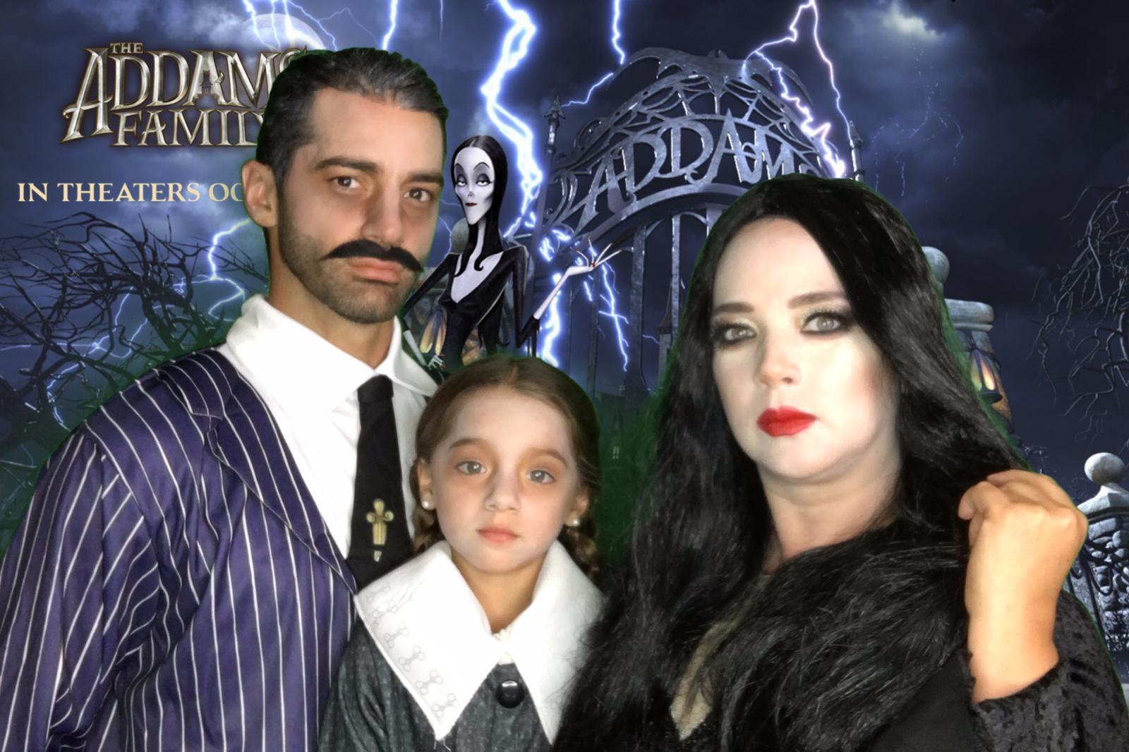 Alaïa, Adamari López, toni costa premiere the adams family