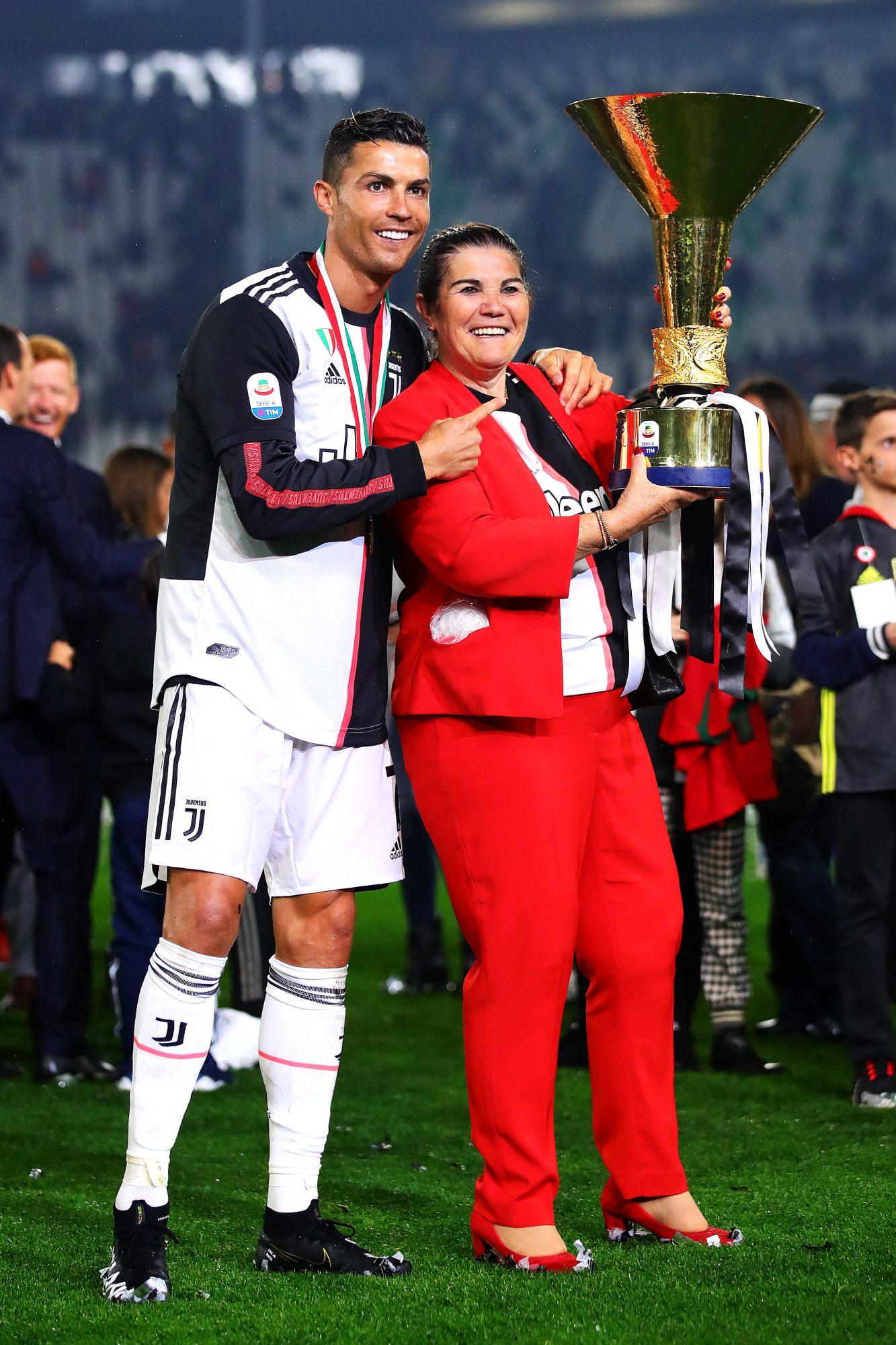 Cristiano Ronaldo, madre, Dolores Aveiro