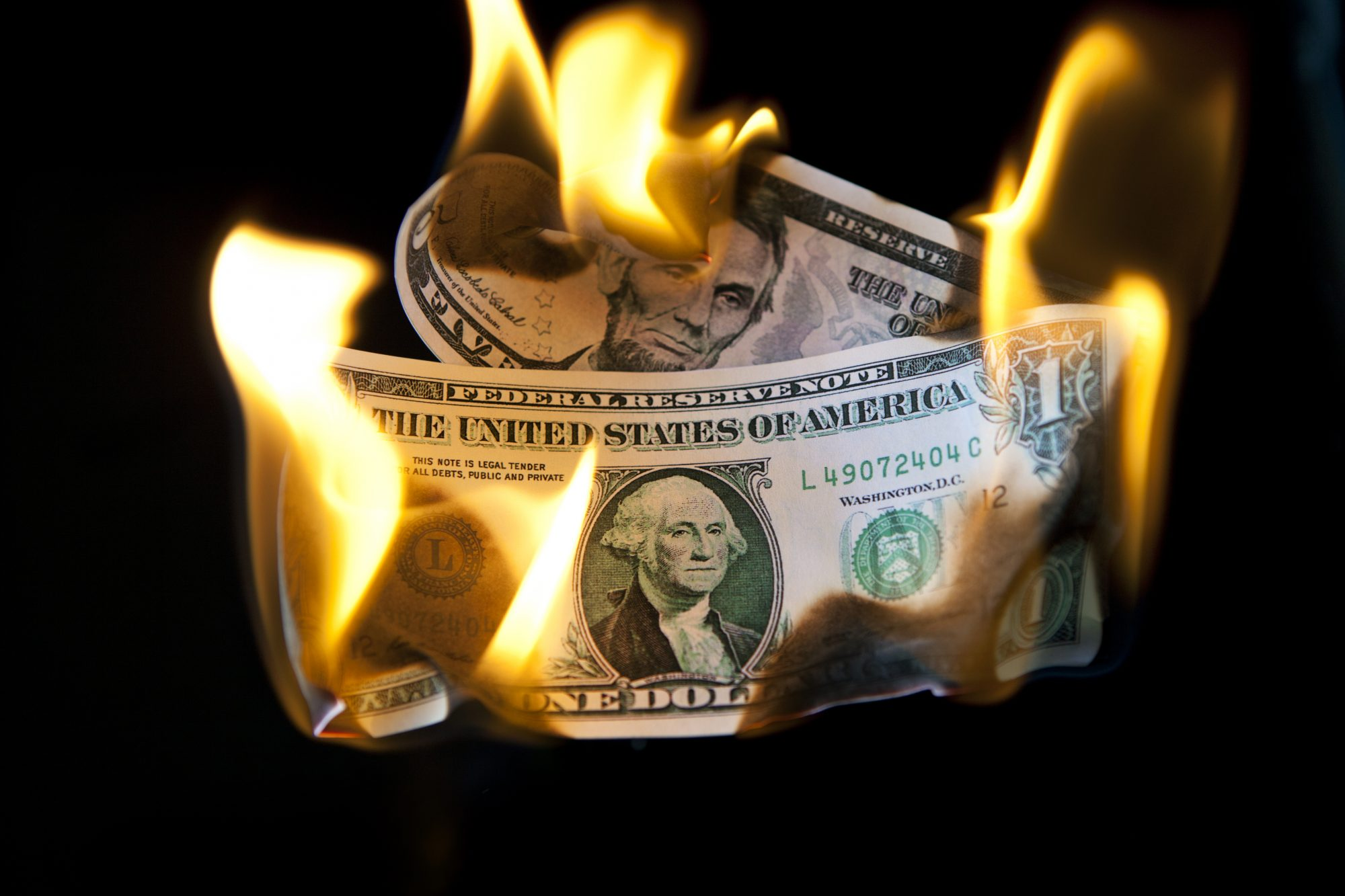 Dinero, dólares, finanzas