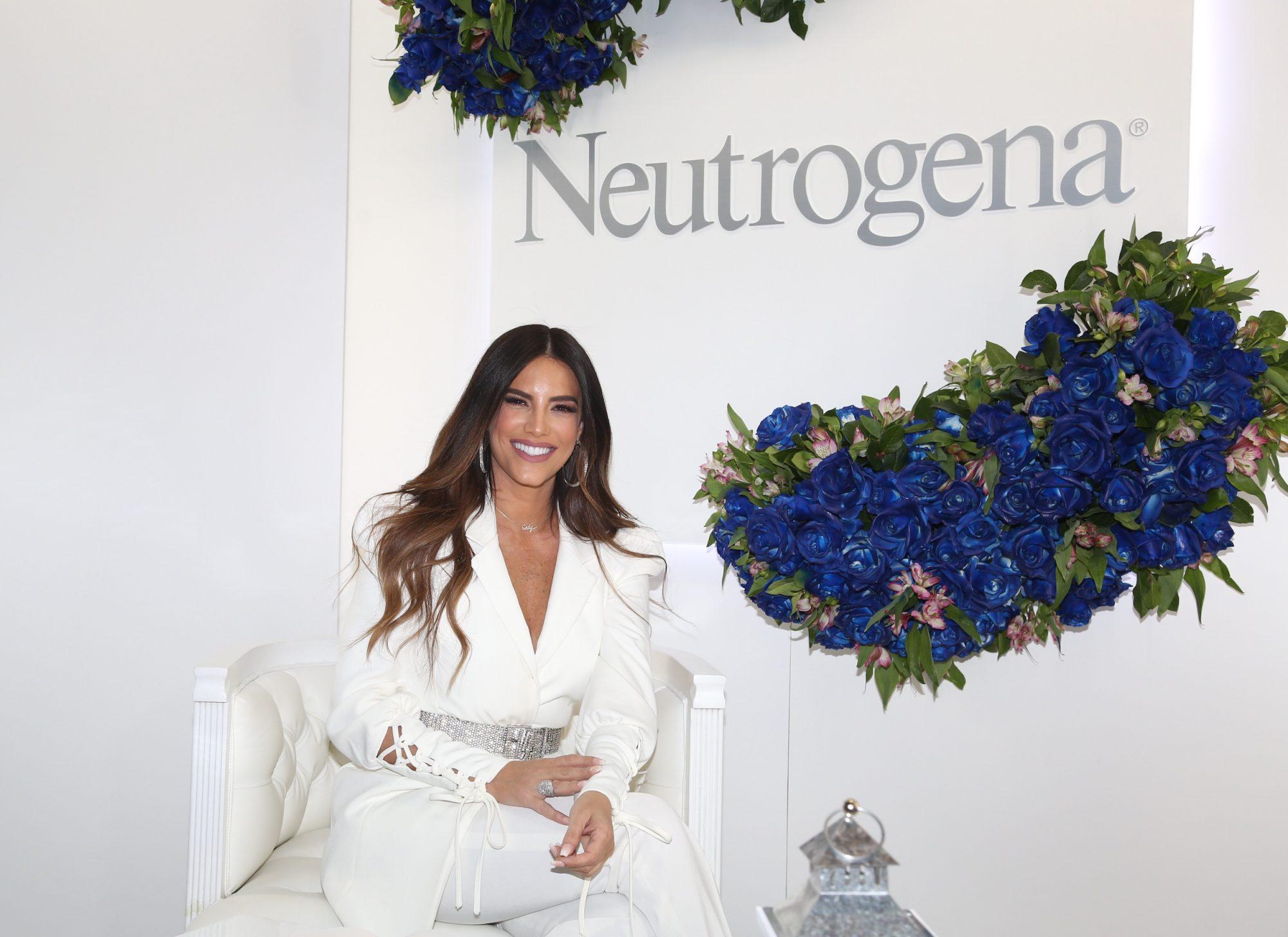 Gaby Espino es el nuevo rostro latino que promueve la nueva línea de productos de hidratación de Neutrogena