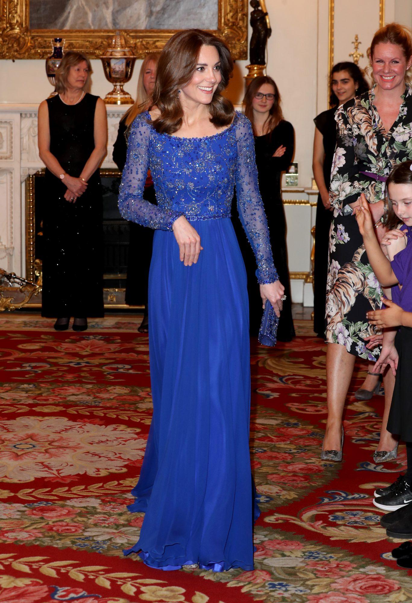 Kate Middleton, look, vestido azul, Gala, Pace2be
