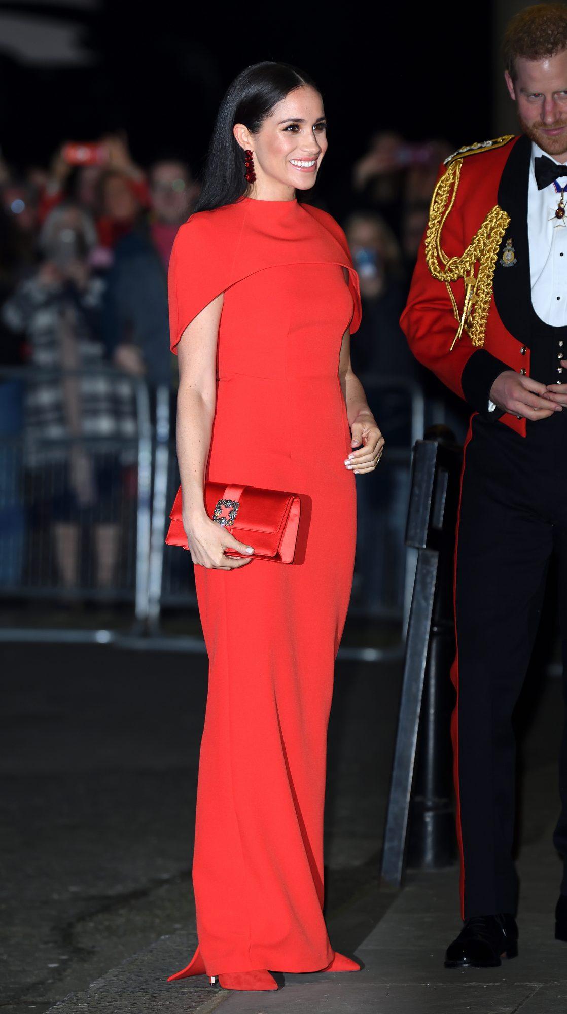 Meghan Markle, look, vestido rojo, londres