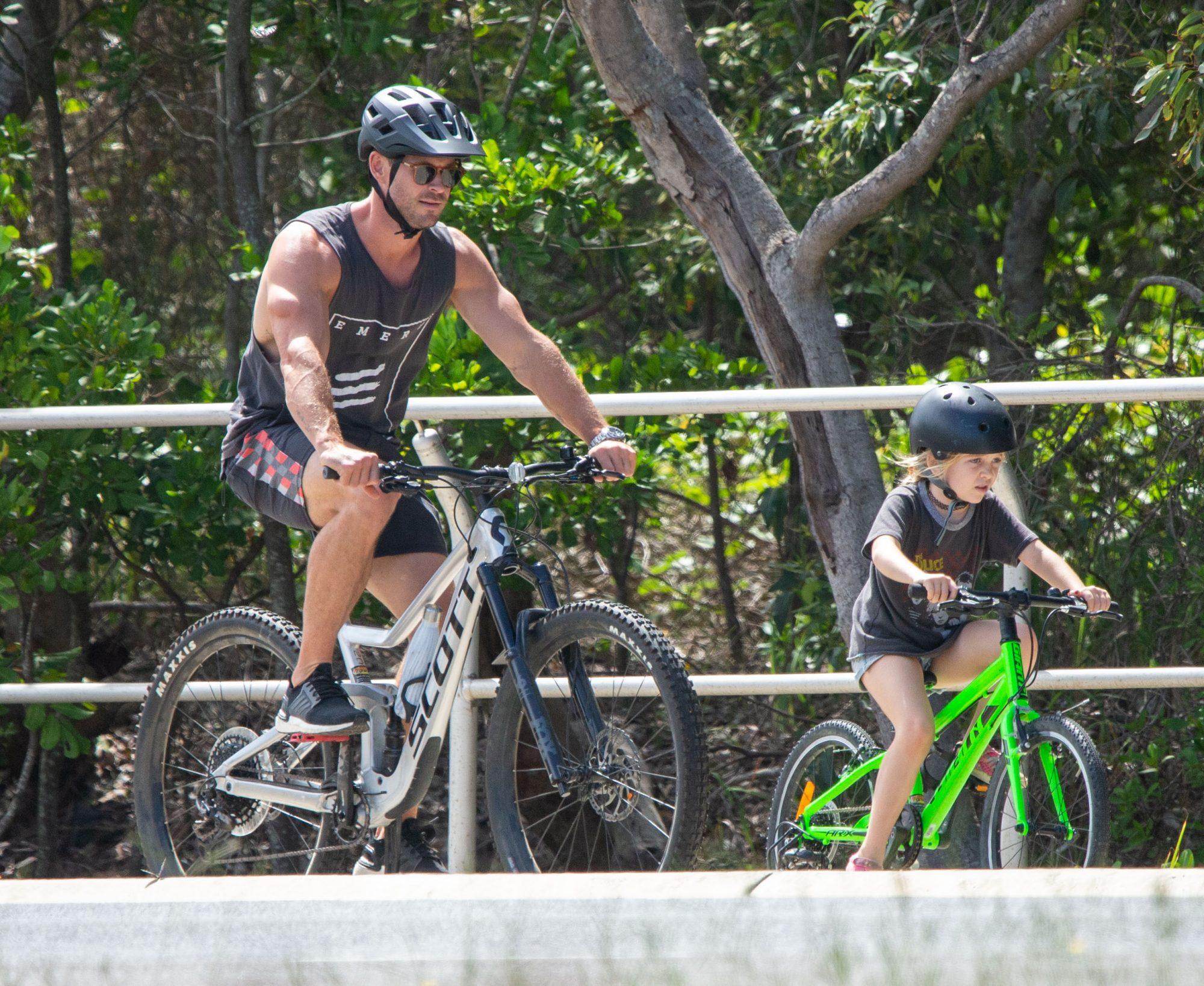 Chris Hemsworth con sus hijos