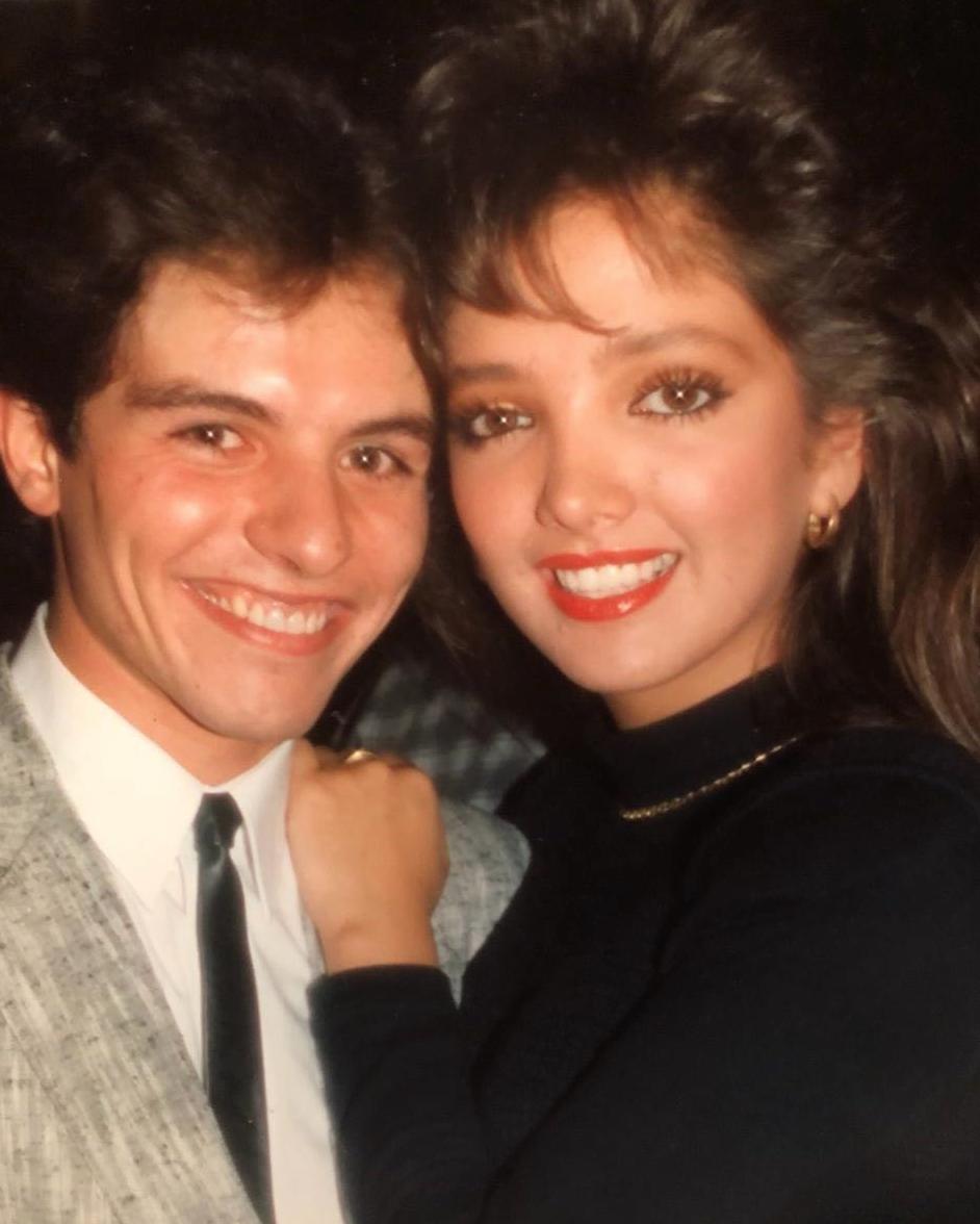 Ernesto Laguardia junto a Adela Noriega
