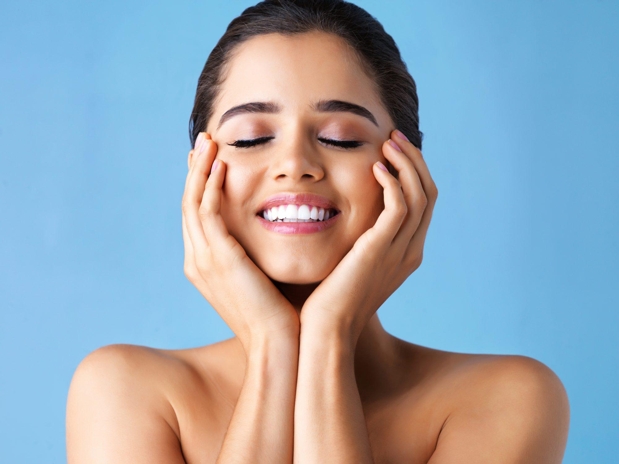 Despierta tu cara en segundos con esta terapia natural casera