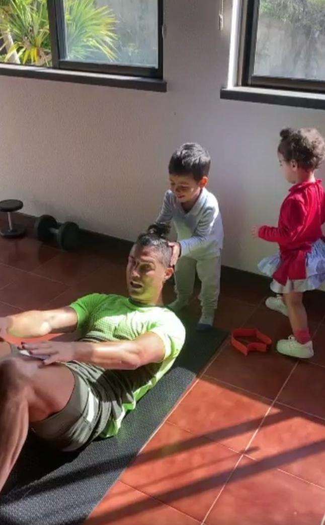 Cristiano Ronaldo e hijos