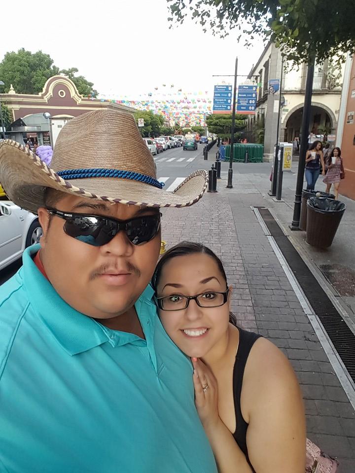 Guillermo 'Memo' Garcia y Jessica Coca Garcia