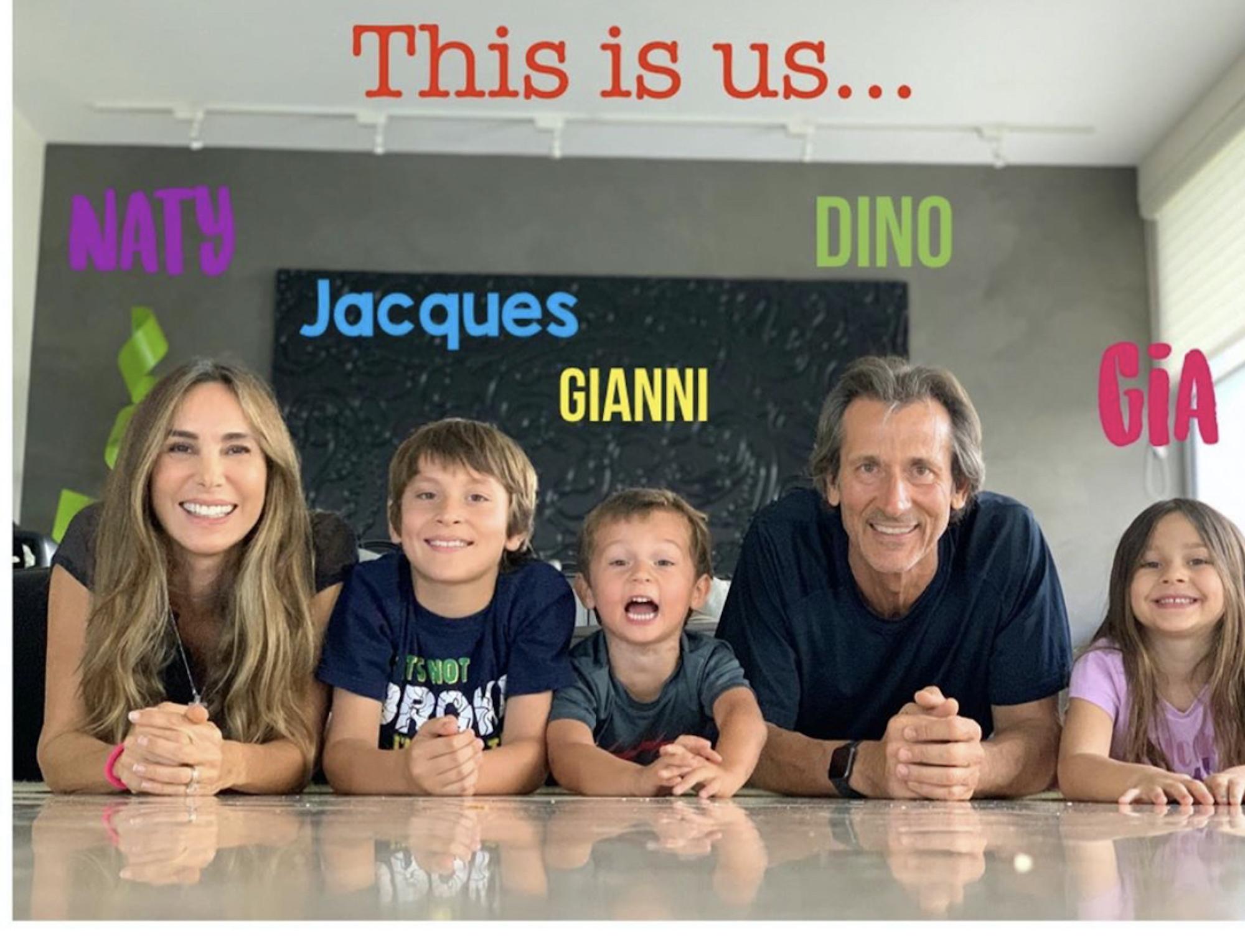 Natalia Streignard y su familia