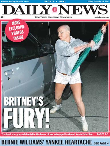 Britney Spears Attacks car with umbrella sombrilla