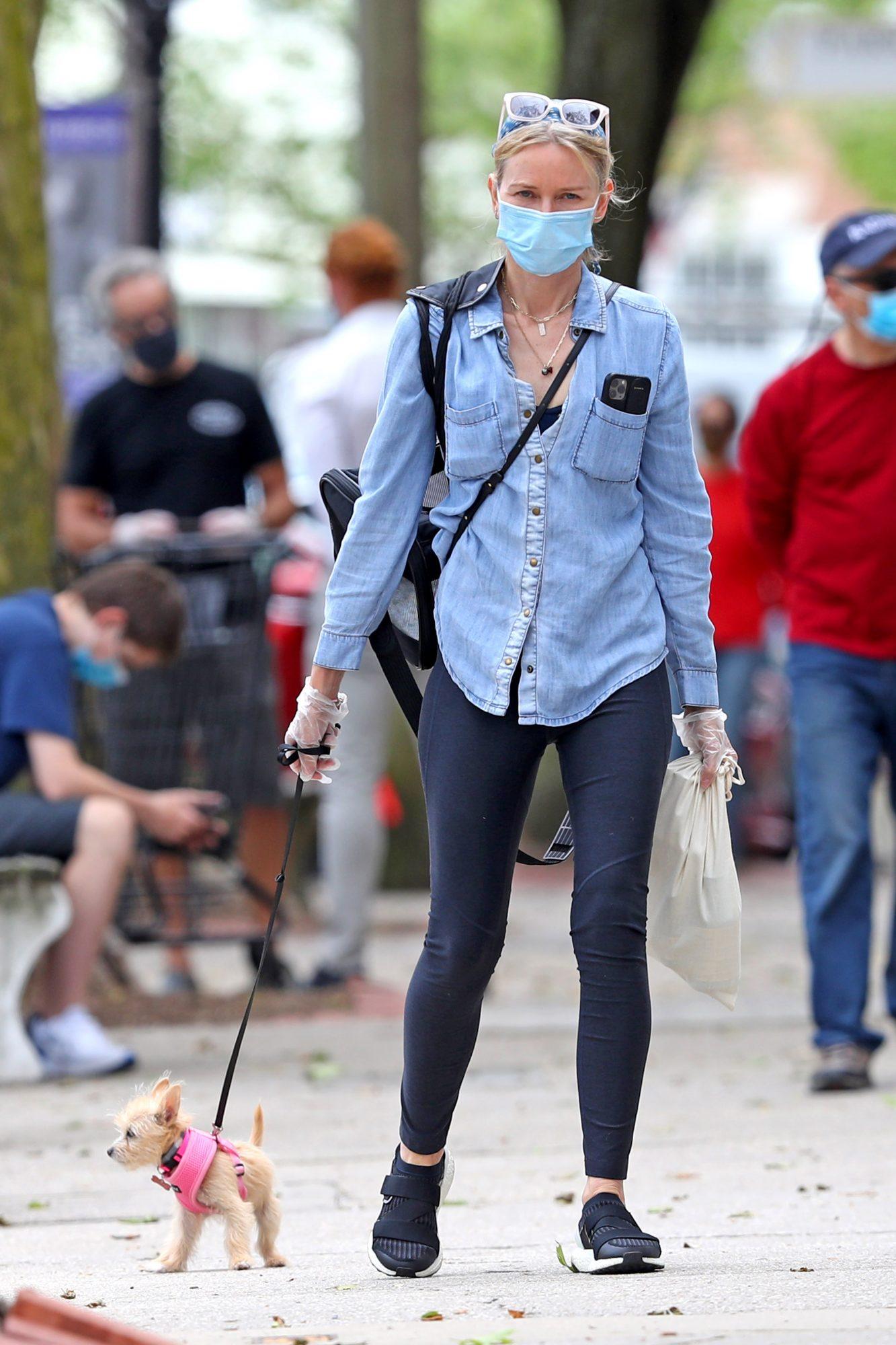 Naomi Watts, look, cuarentena