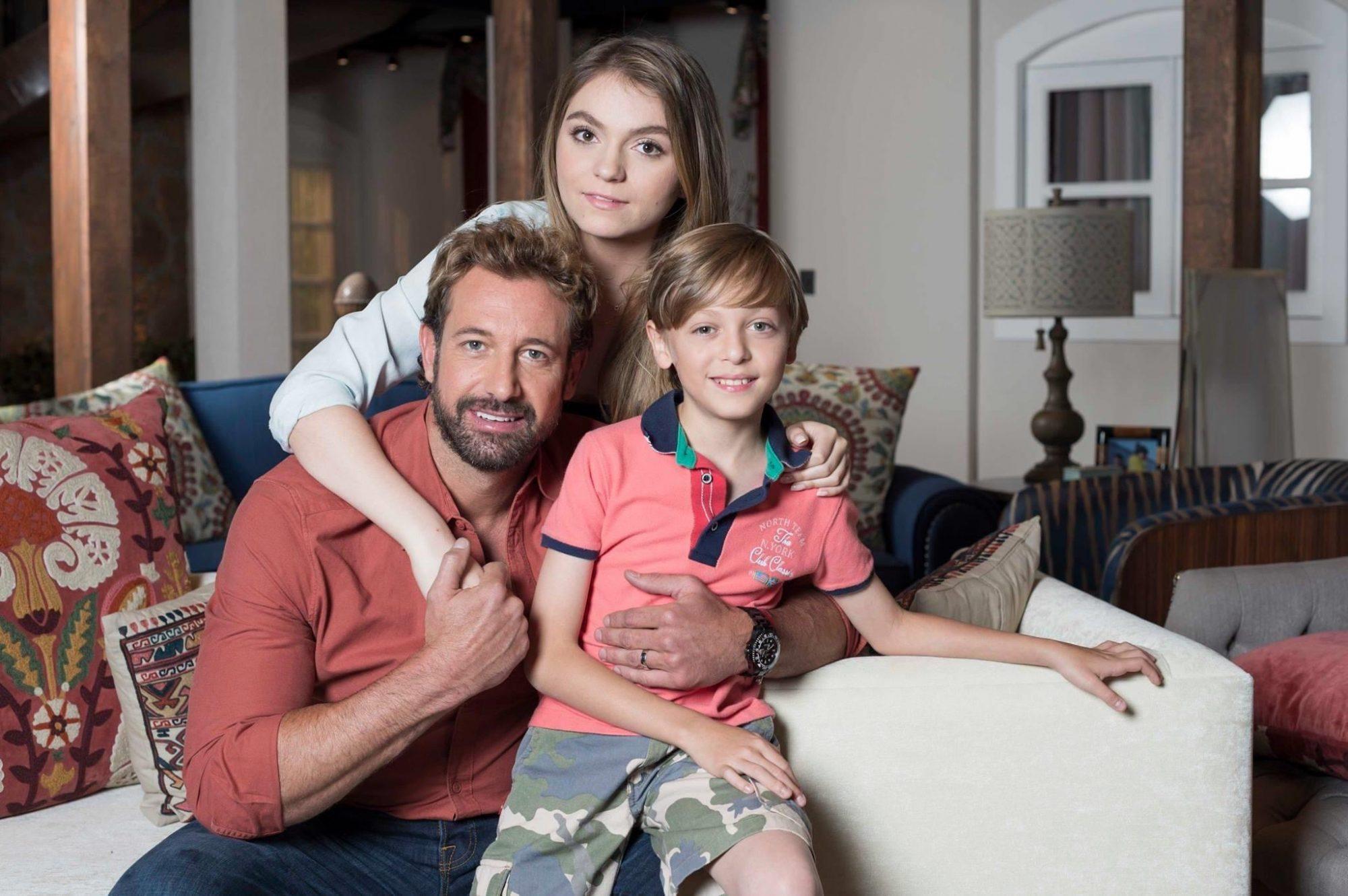 Gabriel Soto y sus hijos en Vino el amor
