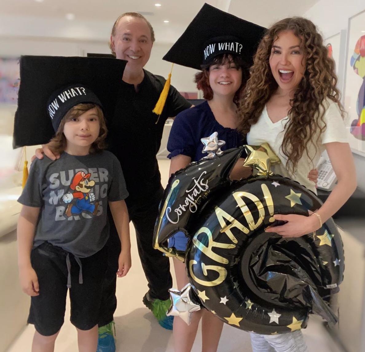 Thalia y su familia