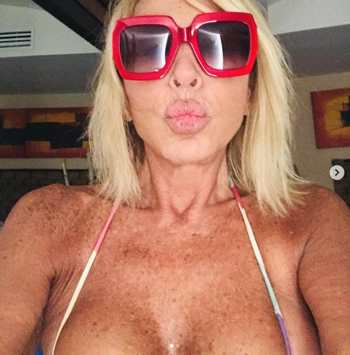 laura bozzo bikini