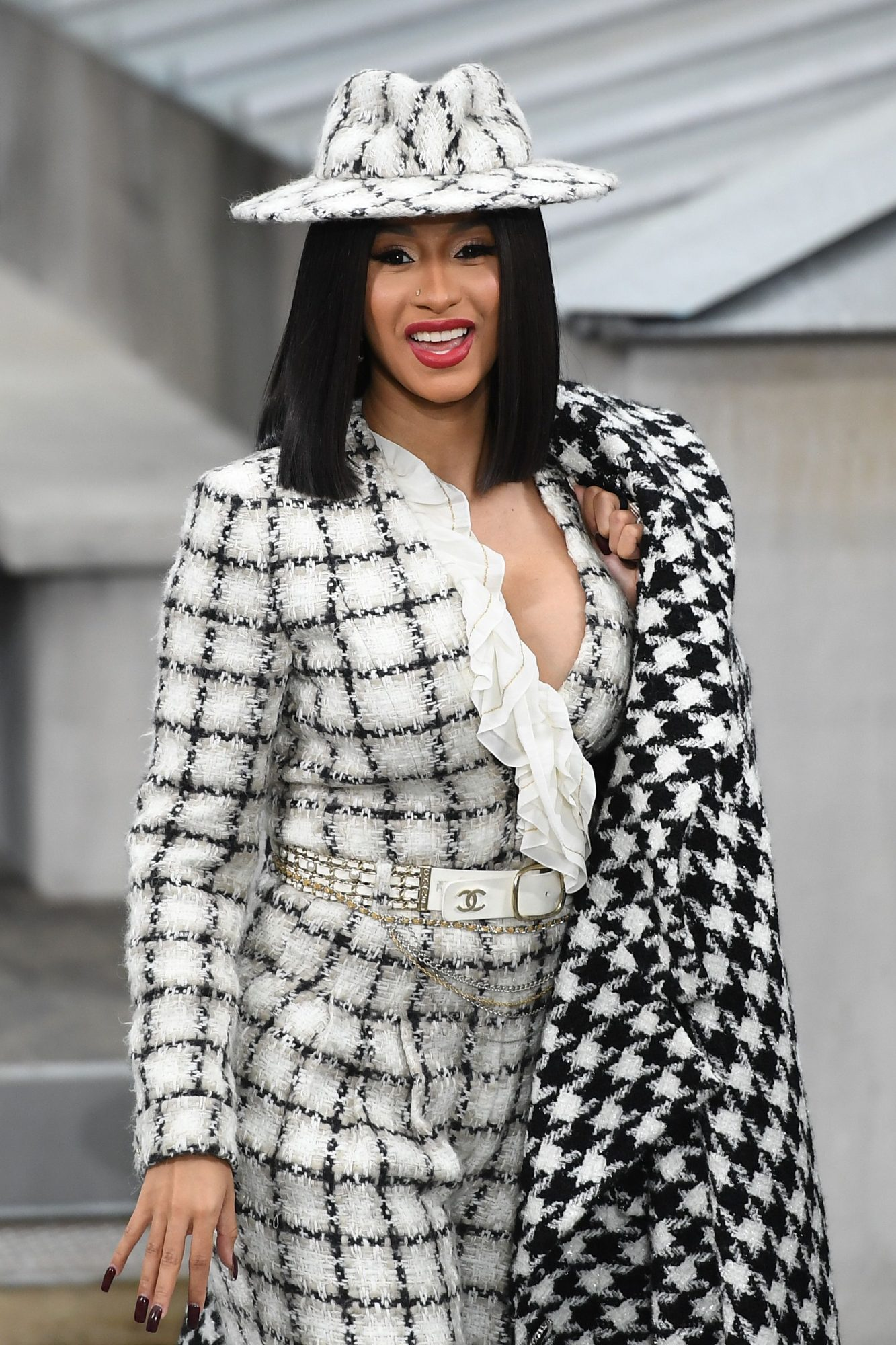 Cardi B Shuts Down Photo-Editing Rumors With Video of Her Abs