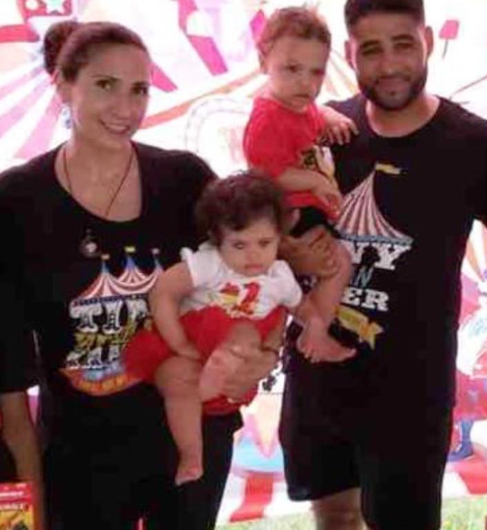 Marissa, Luna y Phoenix y Juan Rodriguez