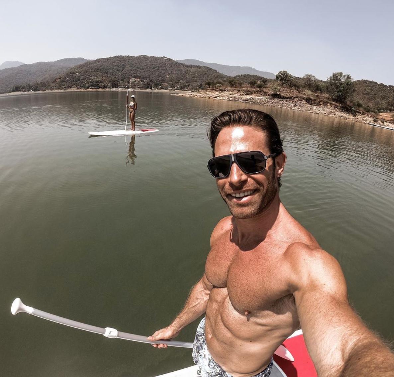 Sebastian Rulli selfie paddle boarding