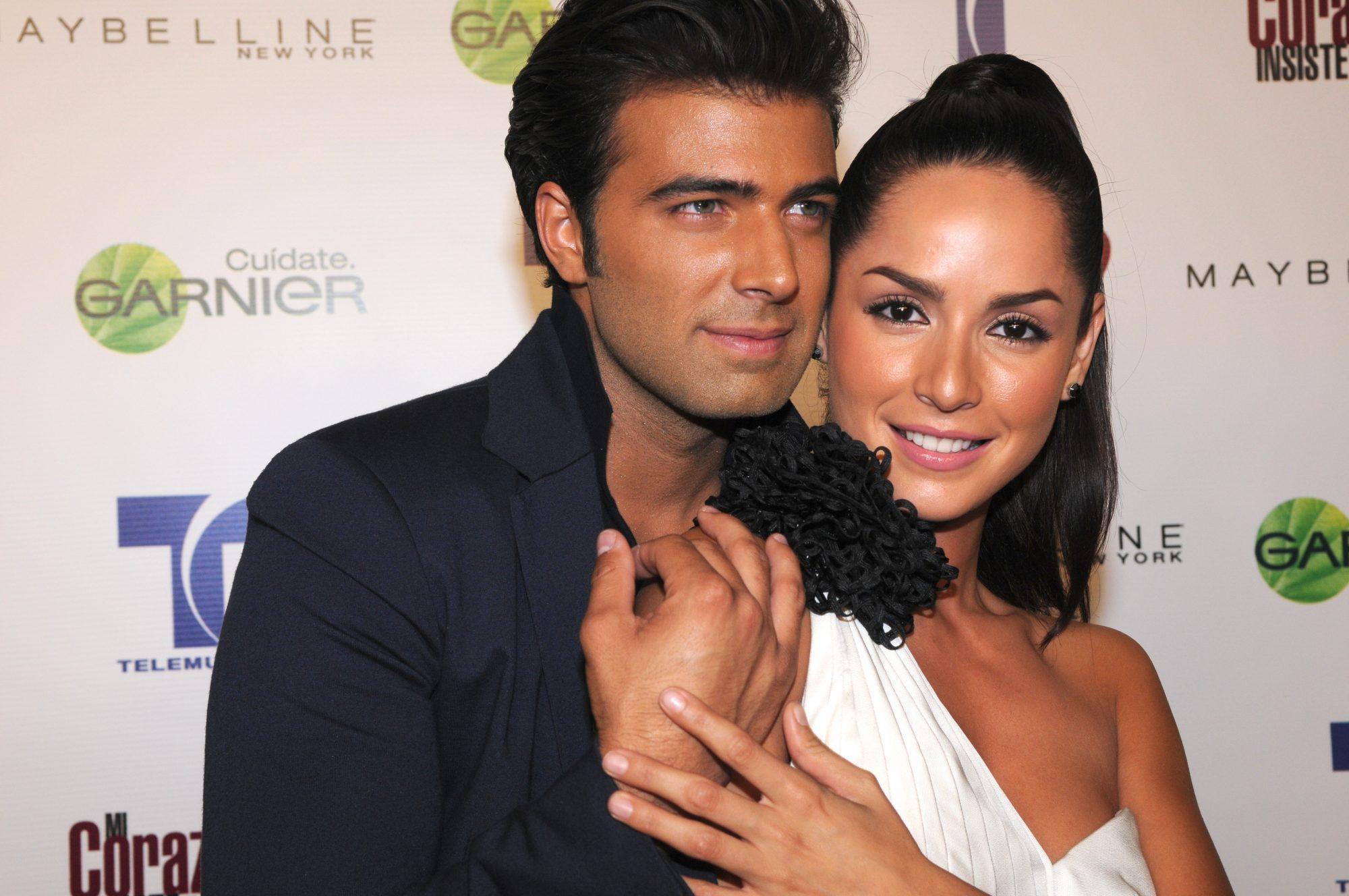 Carmen Villalobos y Jencarlos Canela