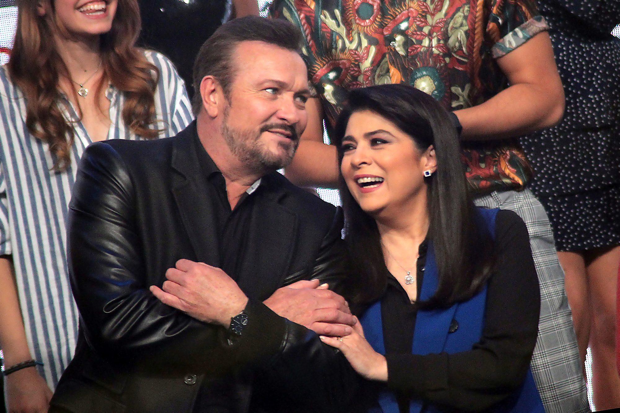 Victoria Ruffo y Arturo Peniche