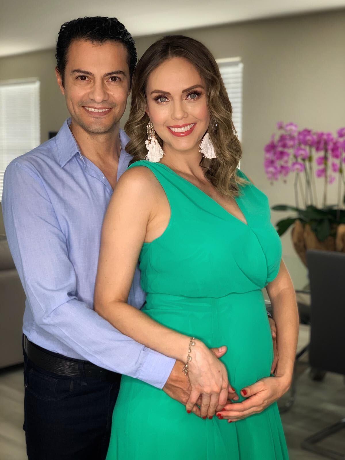 Jessica Carrillo y esposo