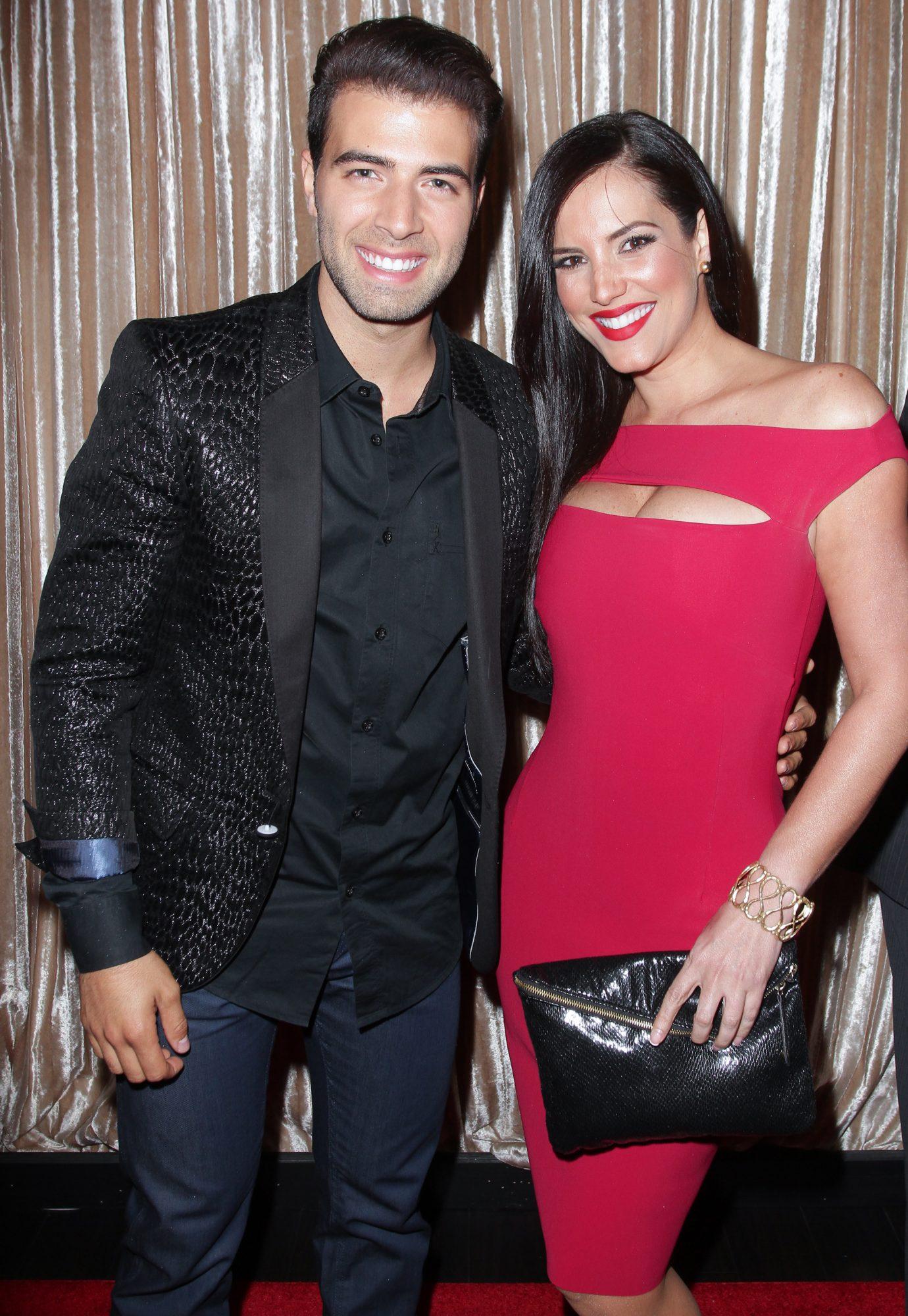 JenCarlos Canela y Gaby Espino