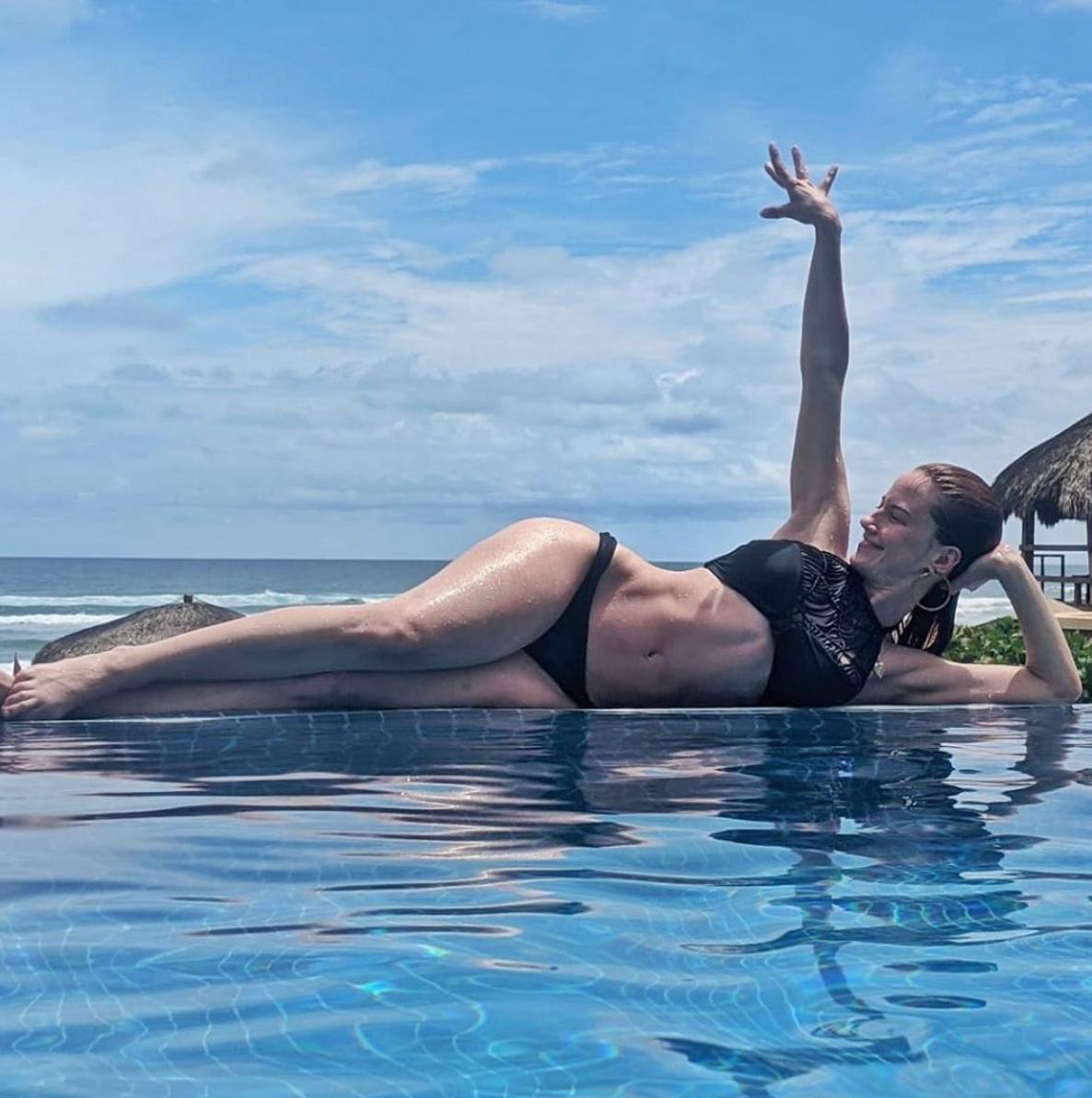 altair jarabo bikini piscina