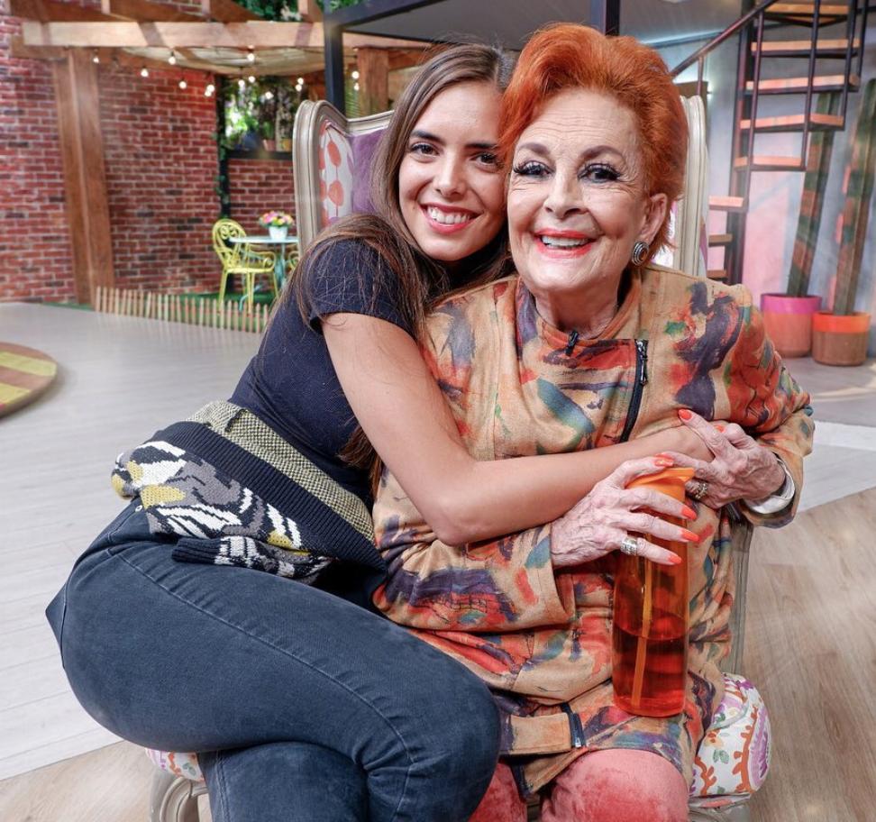 Talina Fernandez y su nieta Maria Levy
