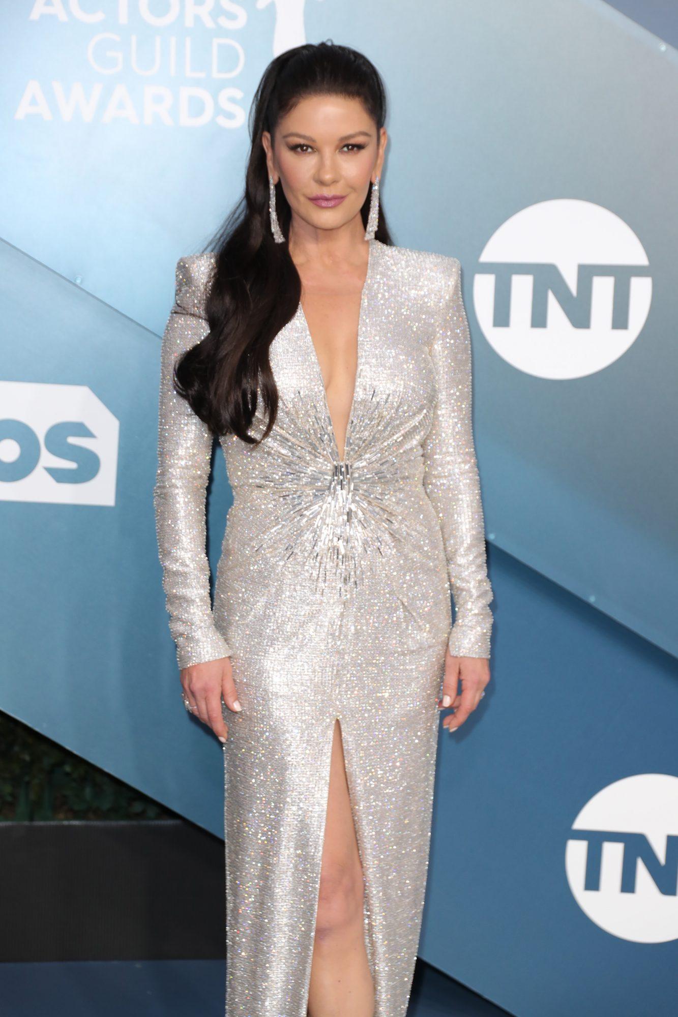 Catherine Zeta-Jones lanza colección de maquillaje