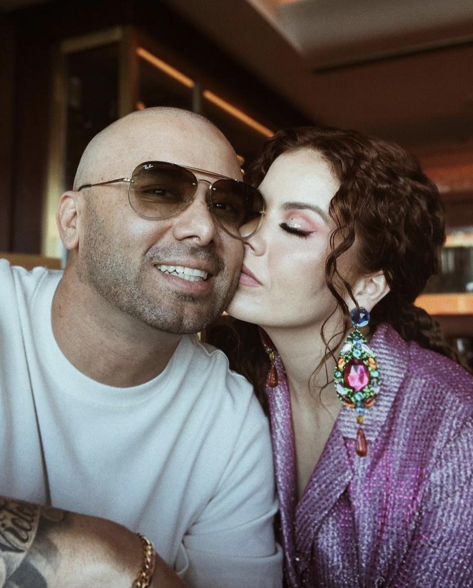 Wisin y esposa Yomaira Ortiz