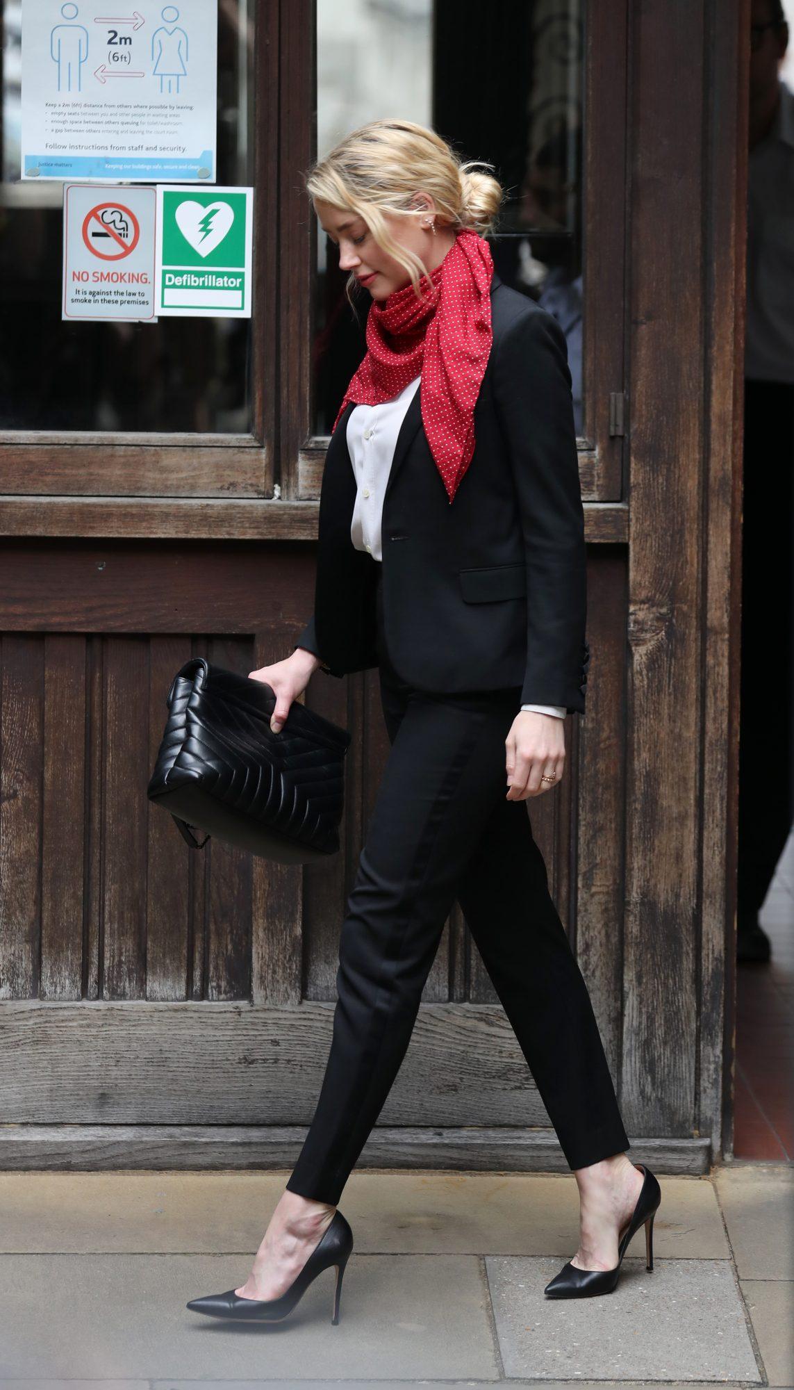 Amber Heard, en la corte, londres