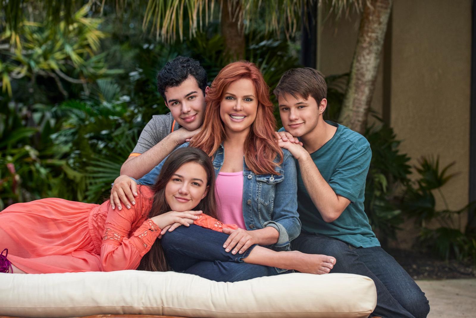 Maria Celeste Arraras con hijos