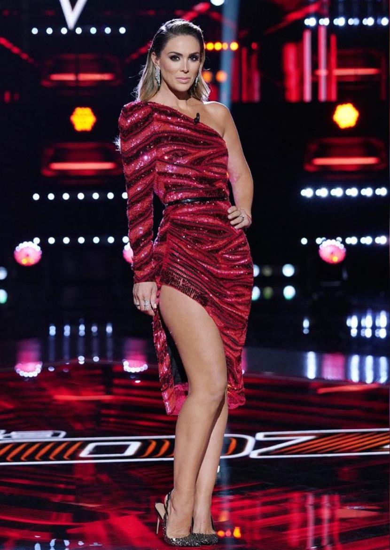 Jacqueline Bracamontes, look, sexy, La voz