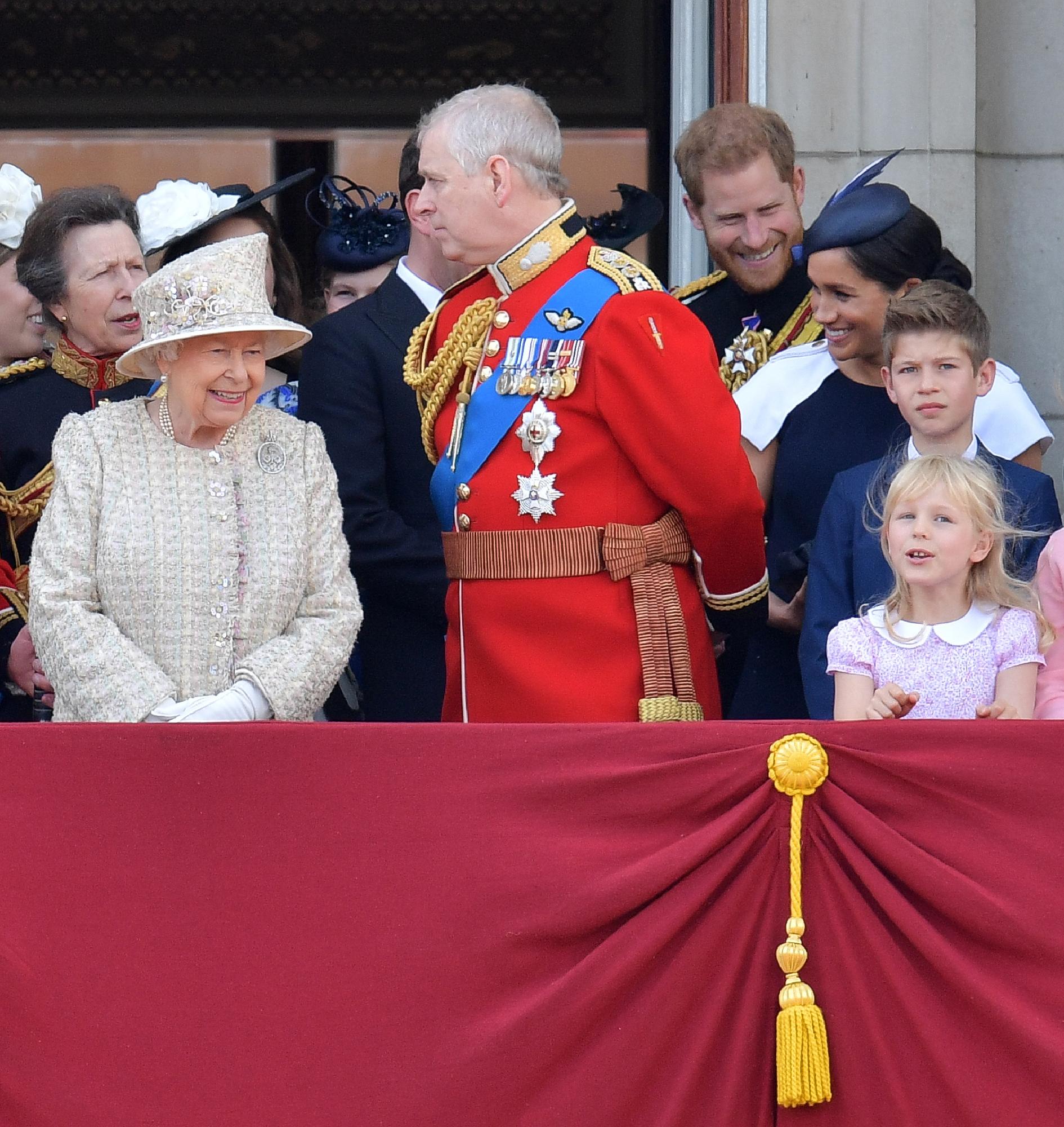 Meghan, Harry y al príncipe Andrew quedan fuera de las redes sociales de la familia real británica