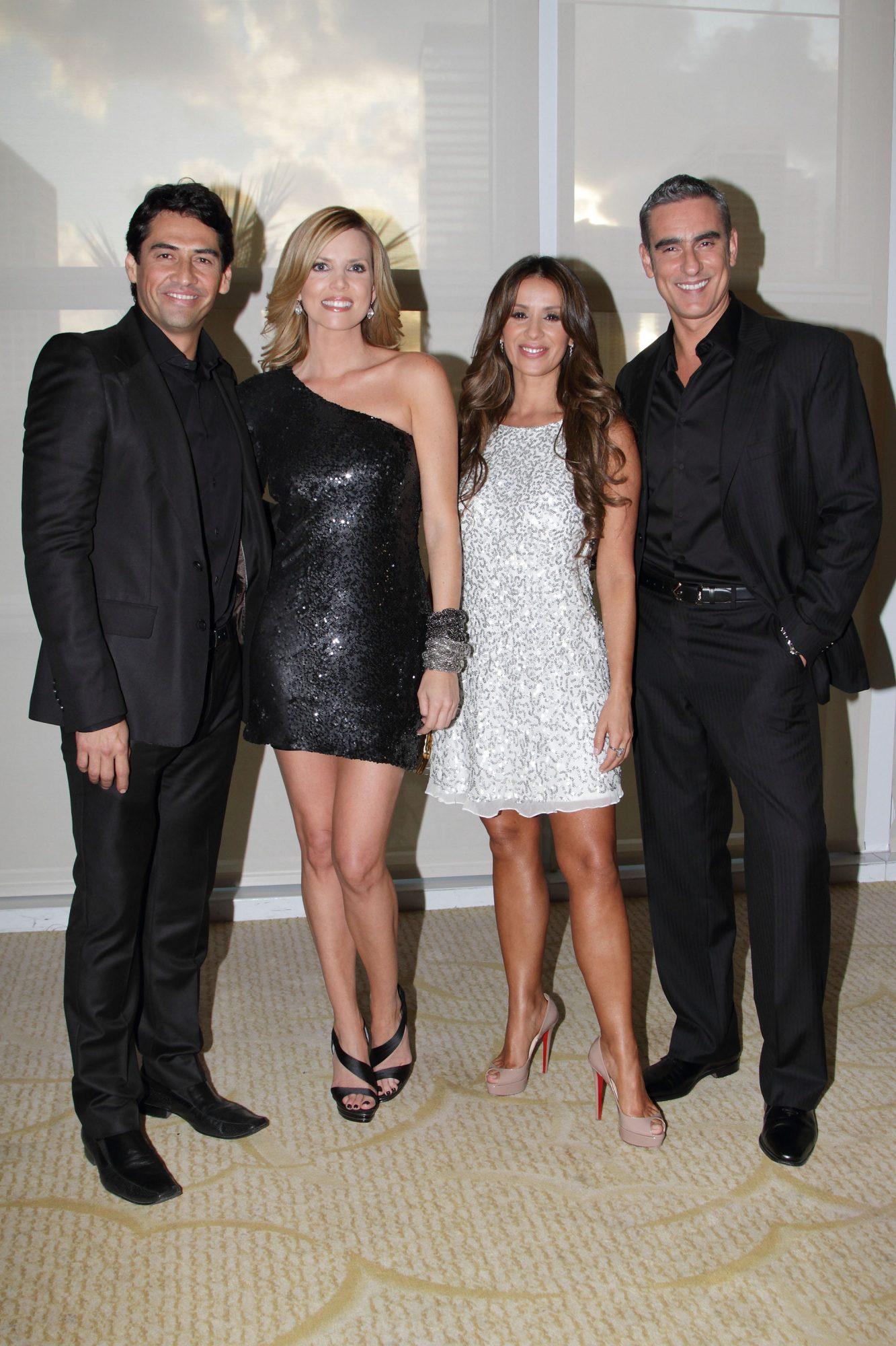 Gabriel Porras, Maritza Rodríguez, Catherine Siachoque y Miguel Varoni en La casa de al lado