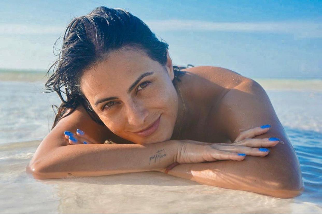 Valeria Marín playa