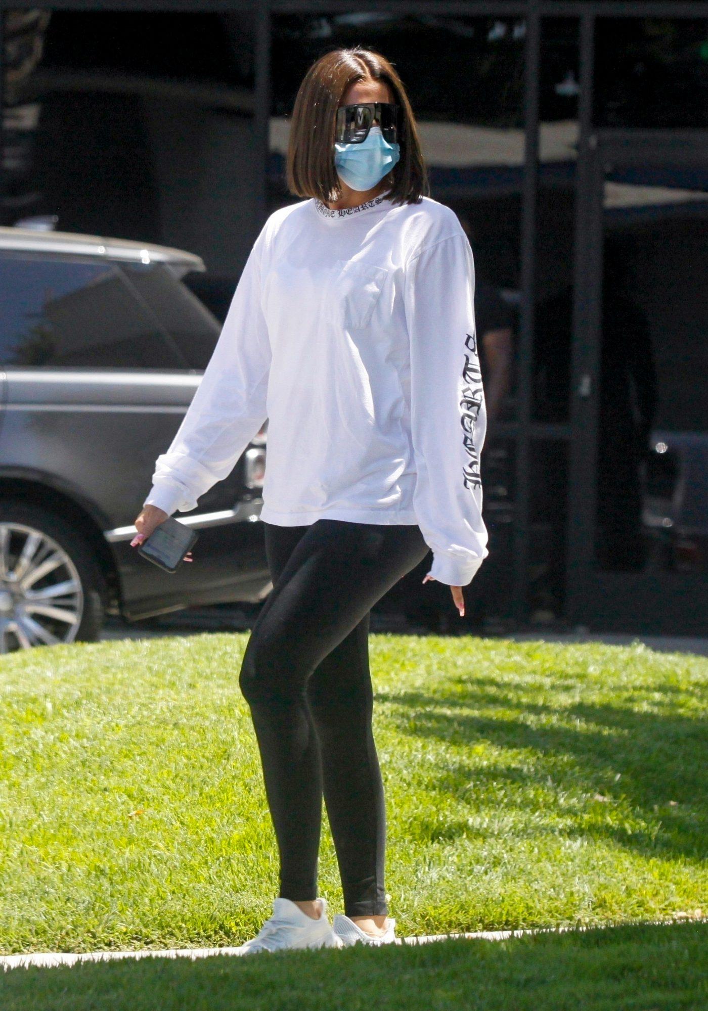 Khloe Kardashian, look, casual