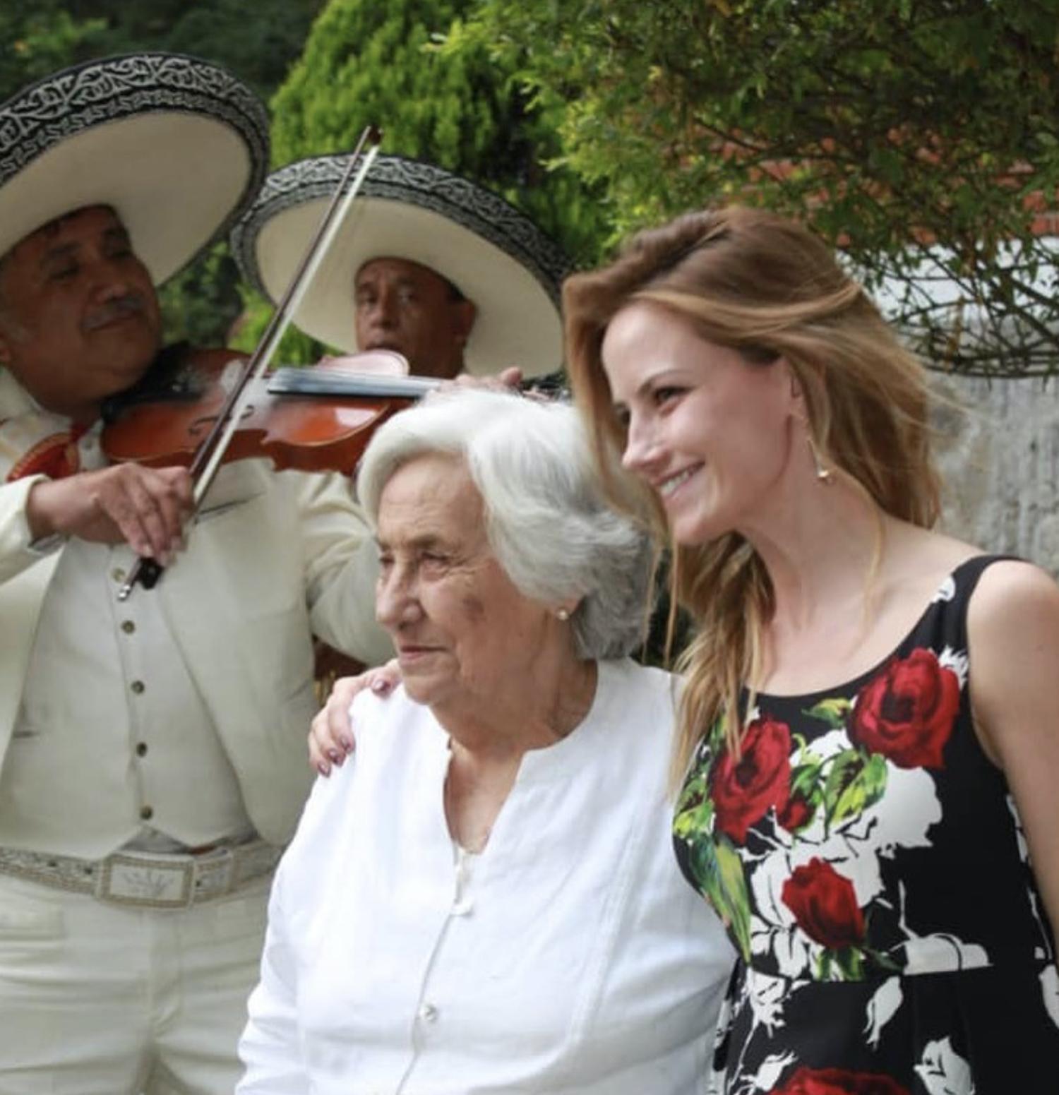 Altair Jarabo y su abuela