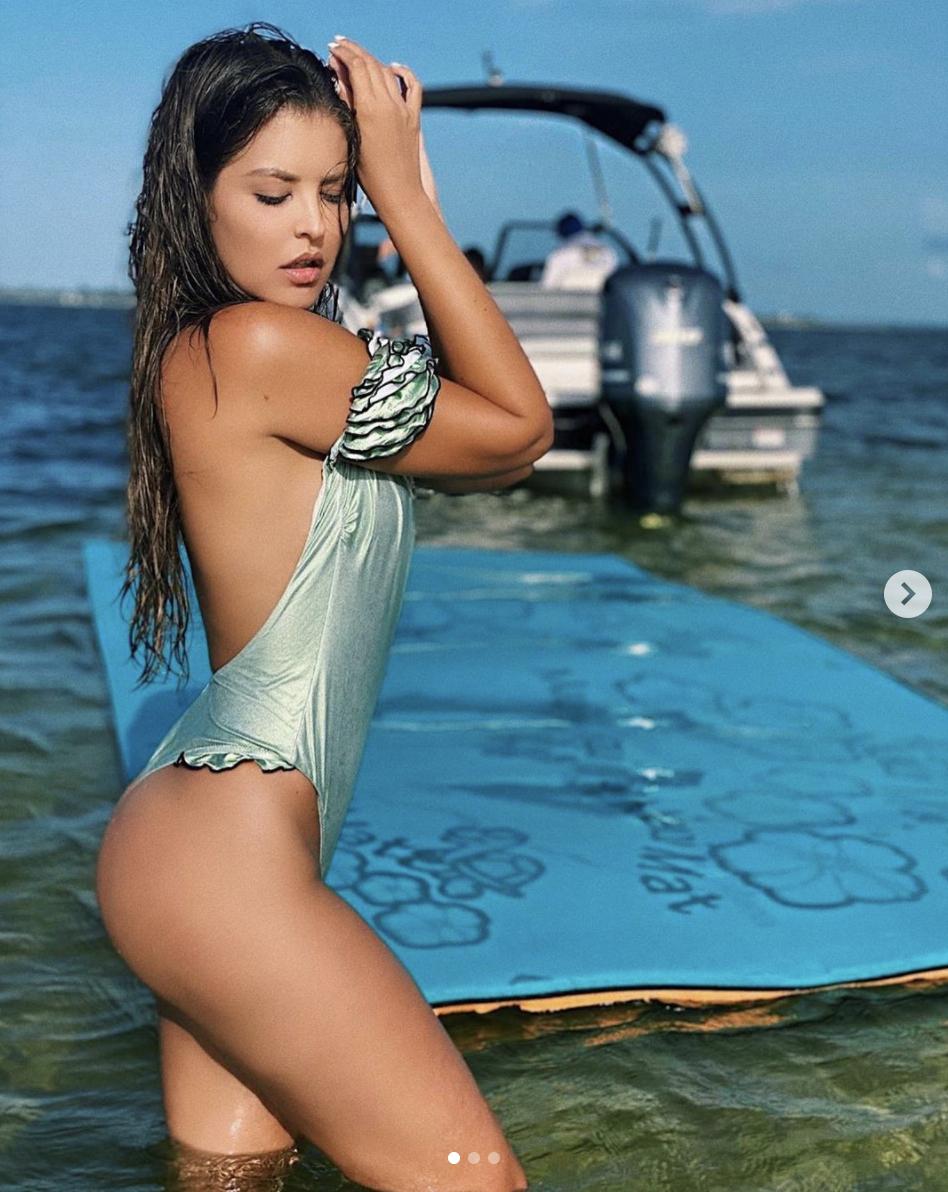 vanessa claudio bikini