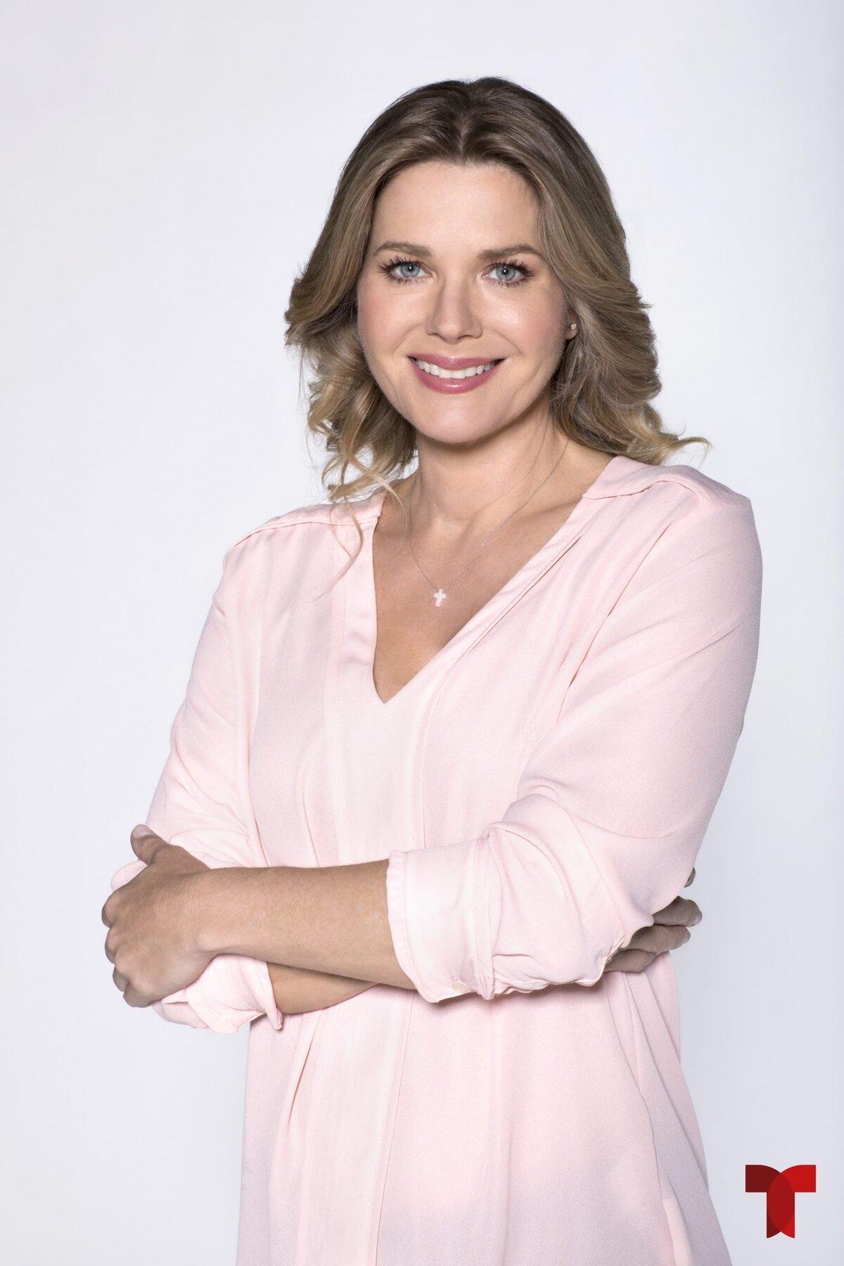 Fernanda Virrueta- Sonya Smith