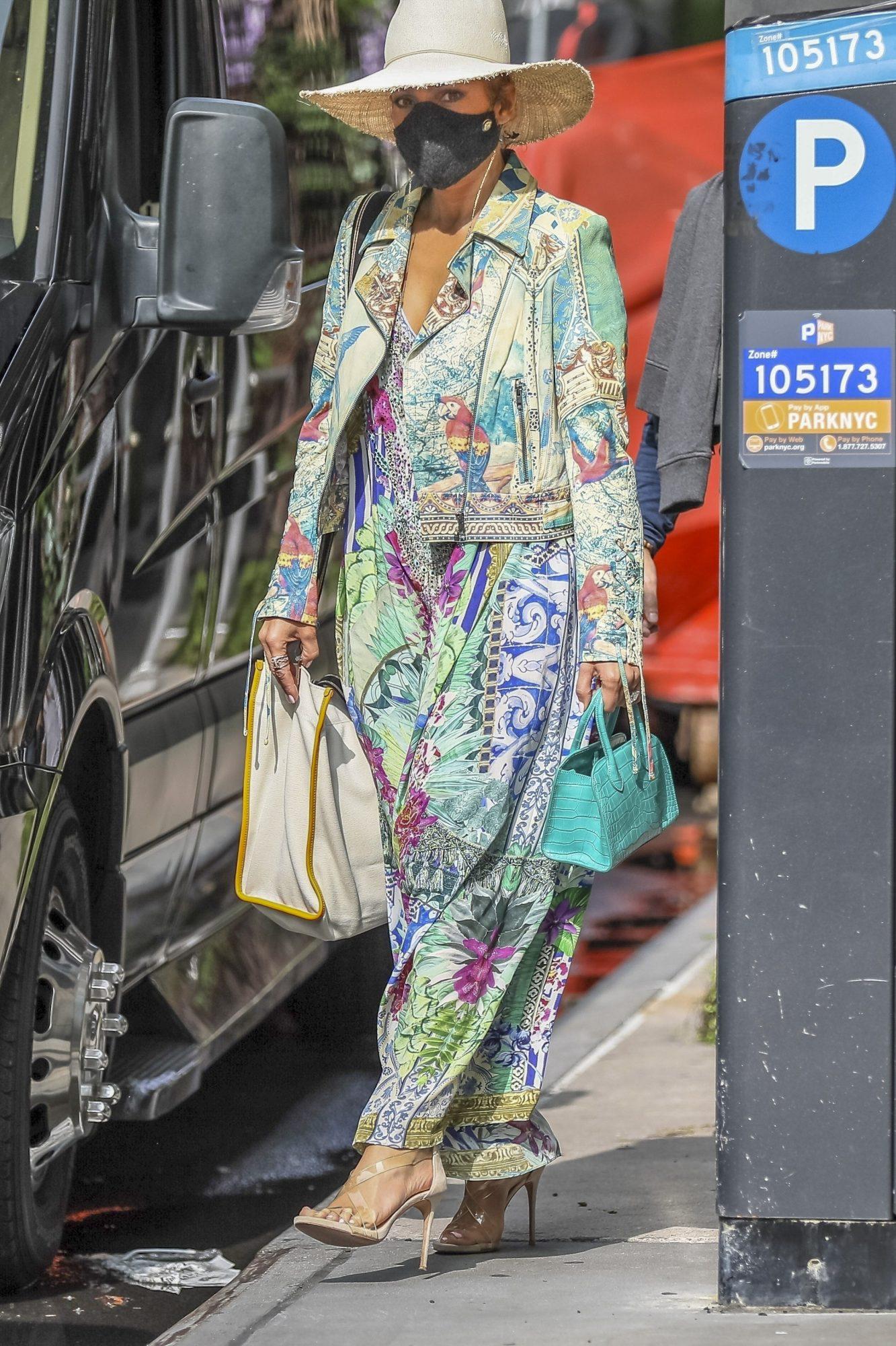 Jennifer Lopez, look, streetstyle, new york