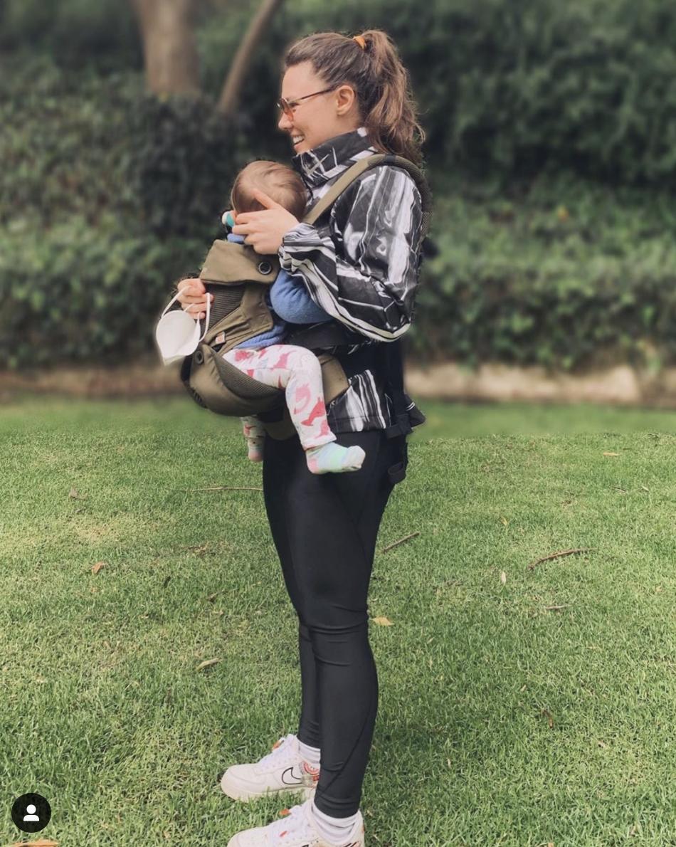 joy con hija