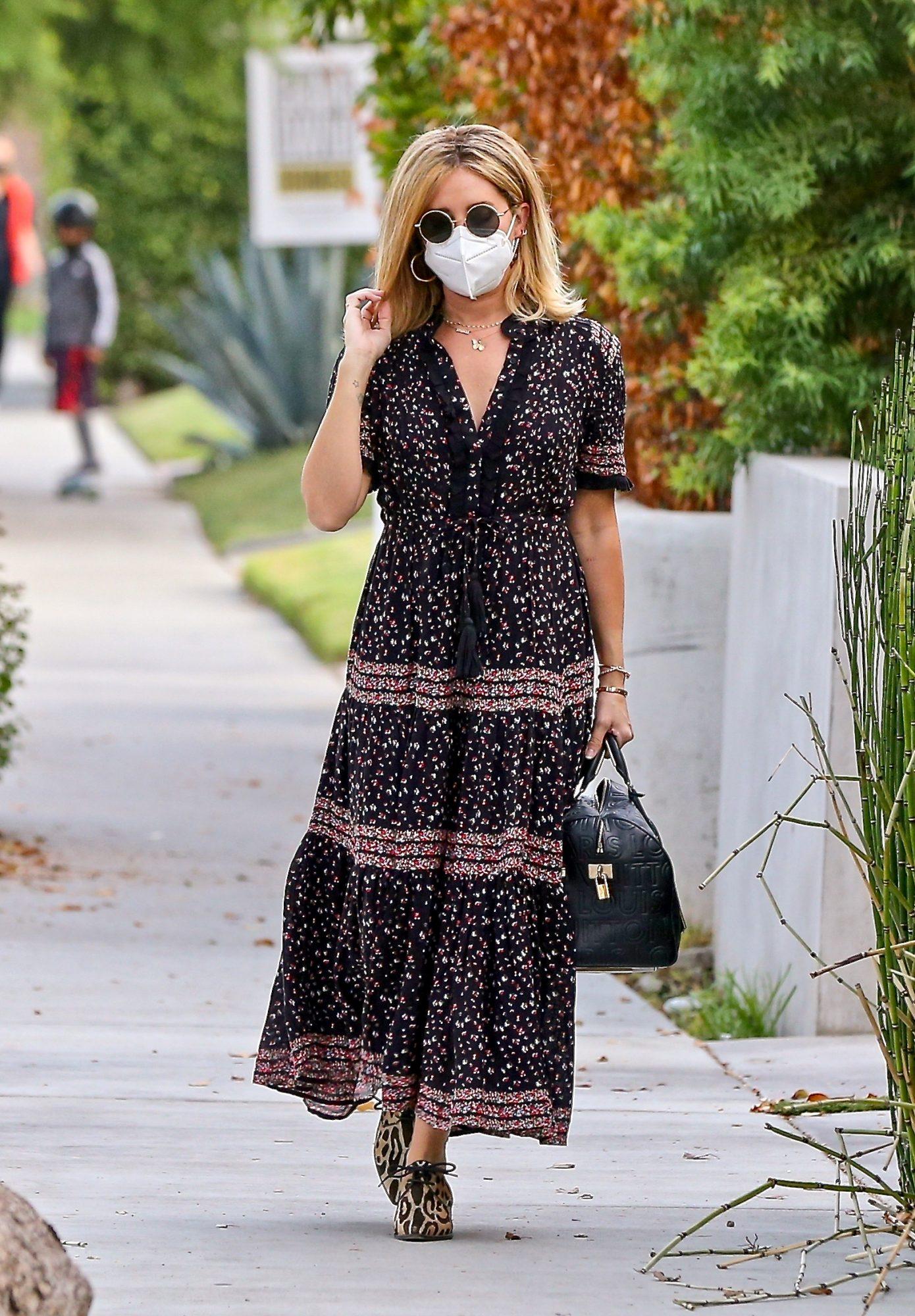 Ashley Tisdale, look, embarazo, los angeles