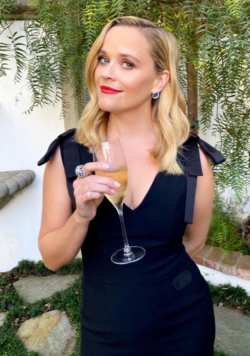 Reese Witherspoon, look, premios Emmy, en casa, looks, vestidos