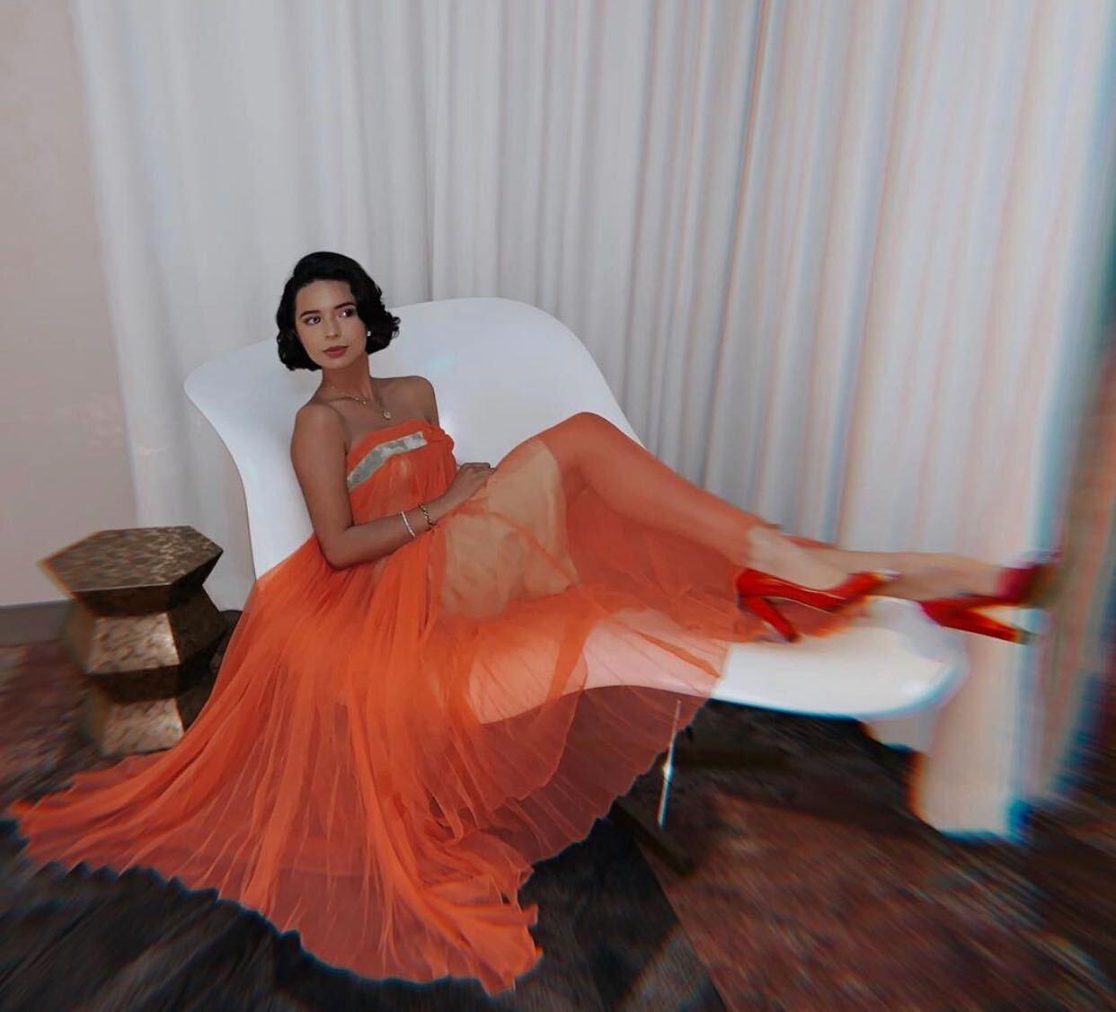Angela Aguilar, Fashion, Vestido de gala