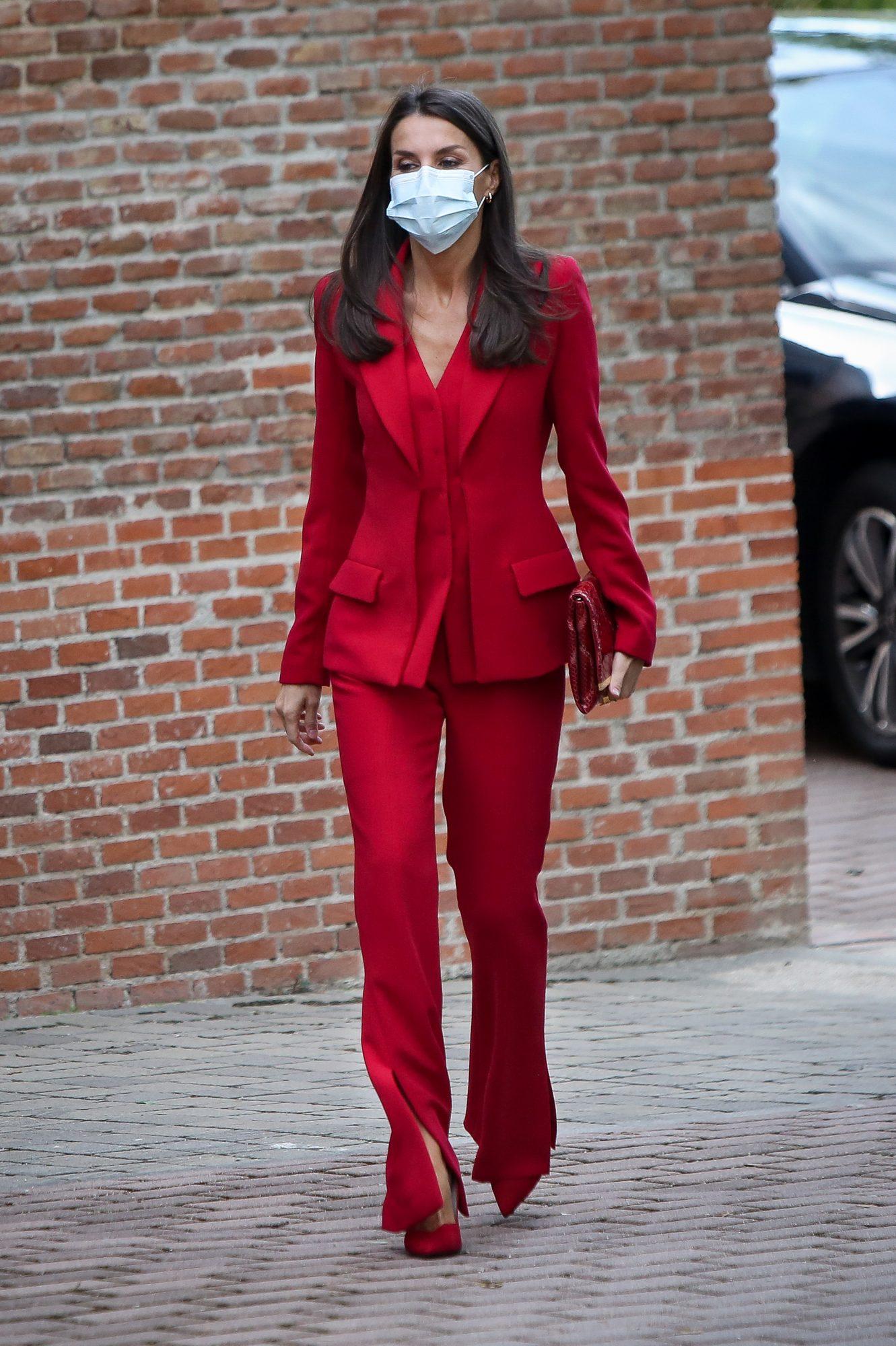 Reina Letizia, look, espana, conjunto rojo,